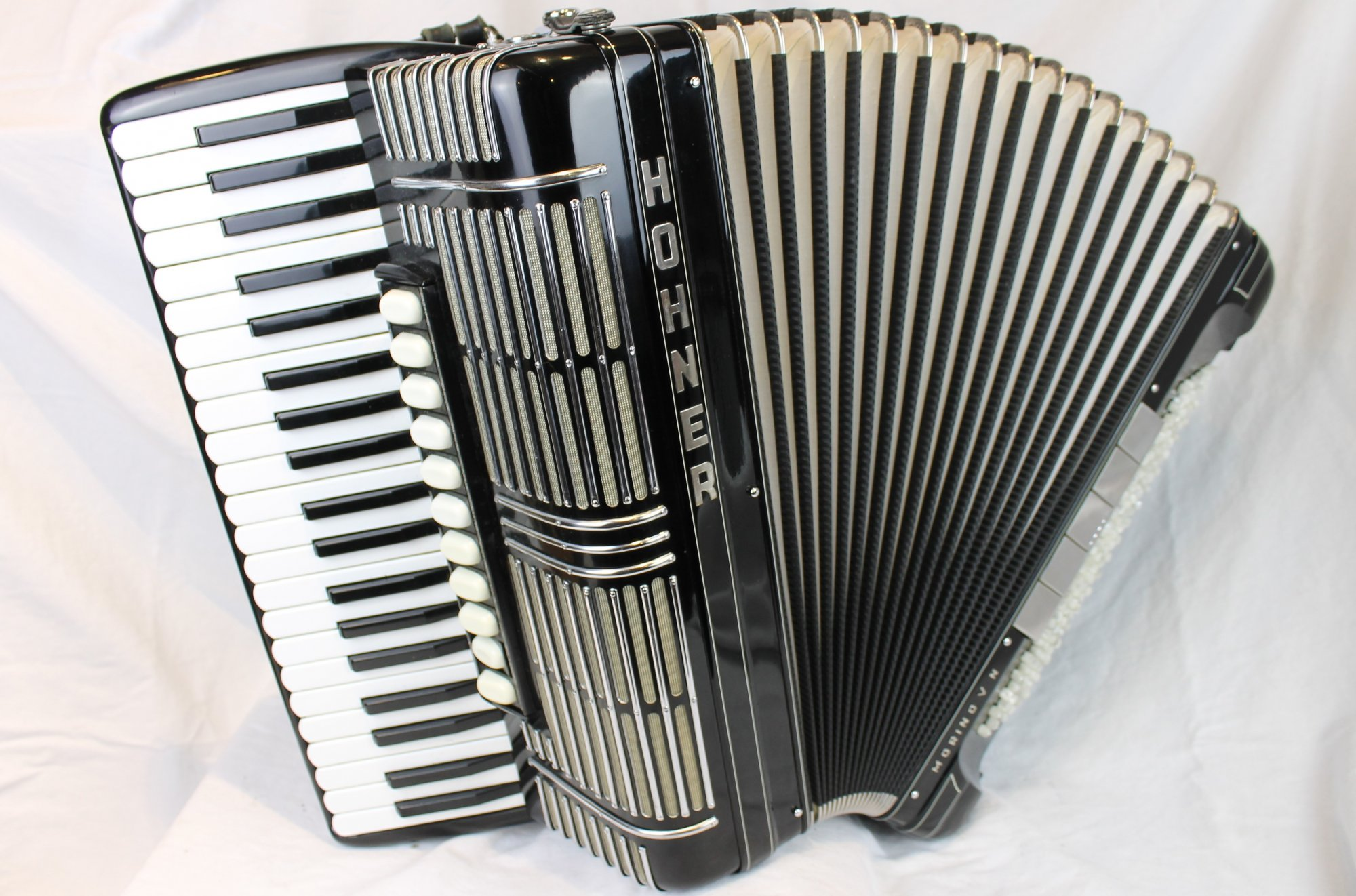 3916 - Black Hohner Morino V N Piano Accordion LMMMH41 120