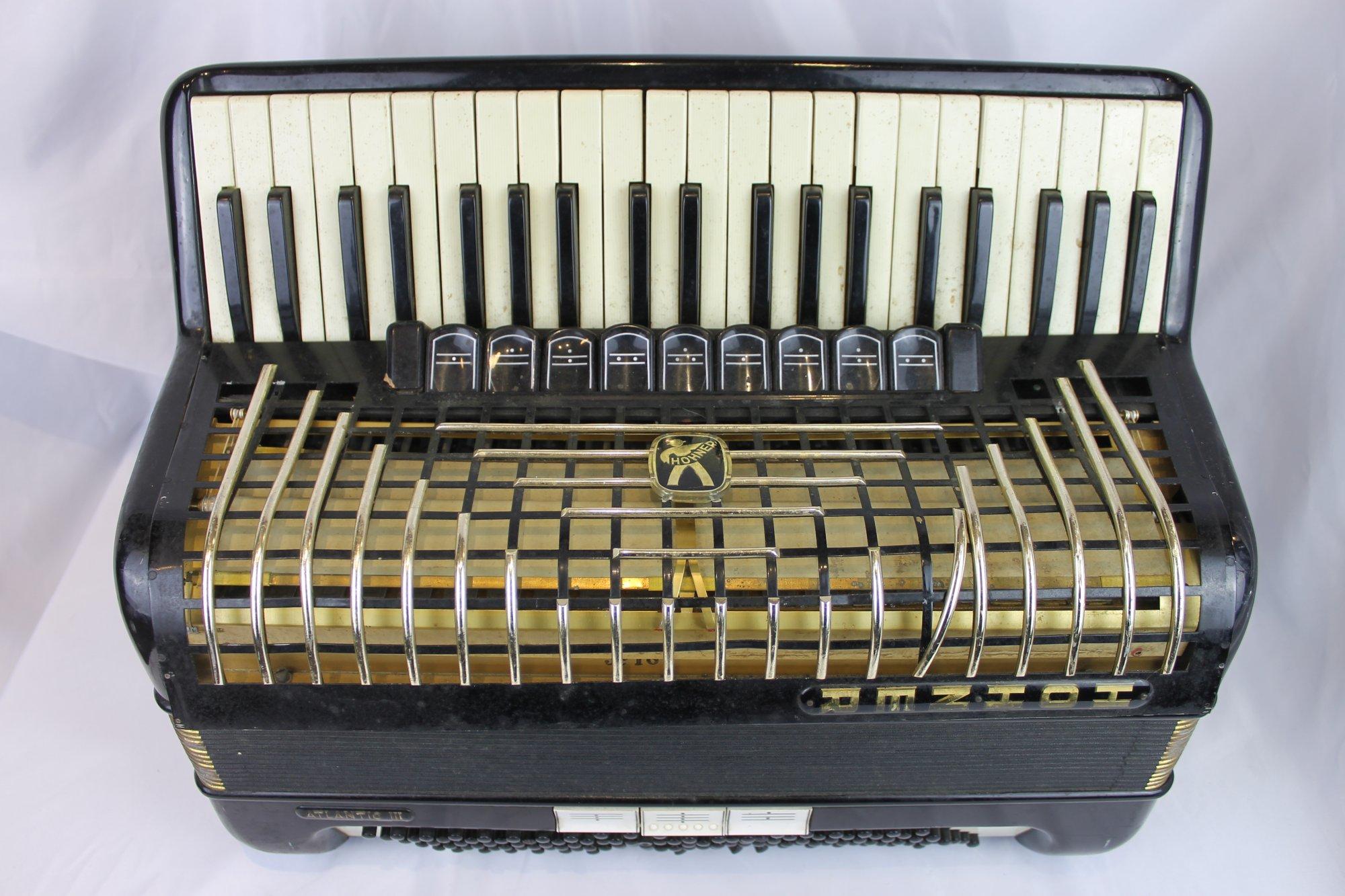 4511 - Black Hohner Atlantic III Piano Accordion LMM 41 120 - For Parts or Repair