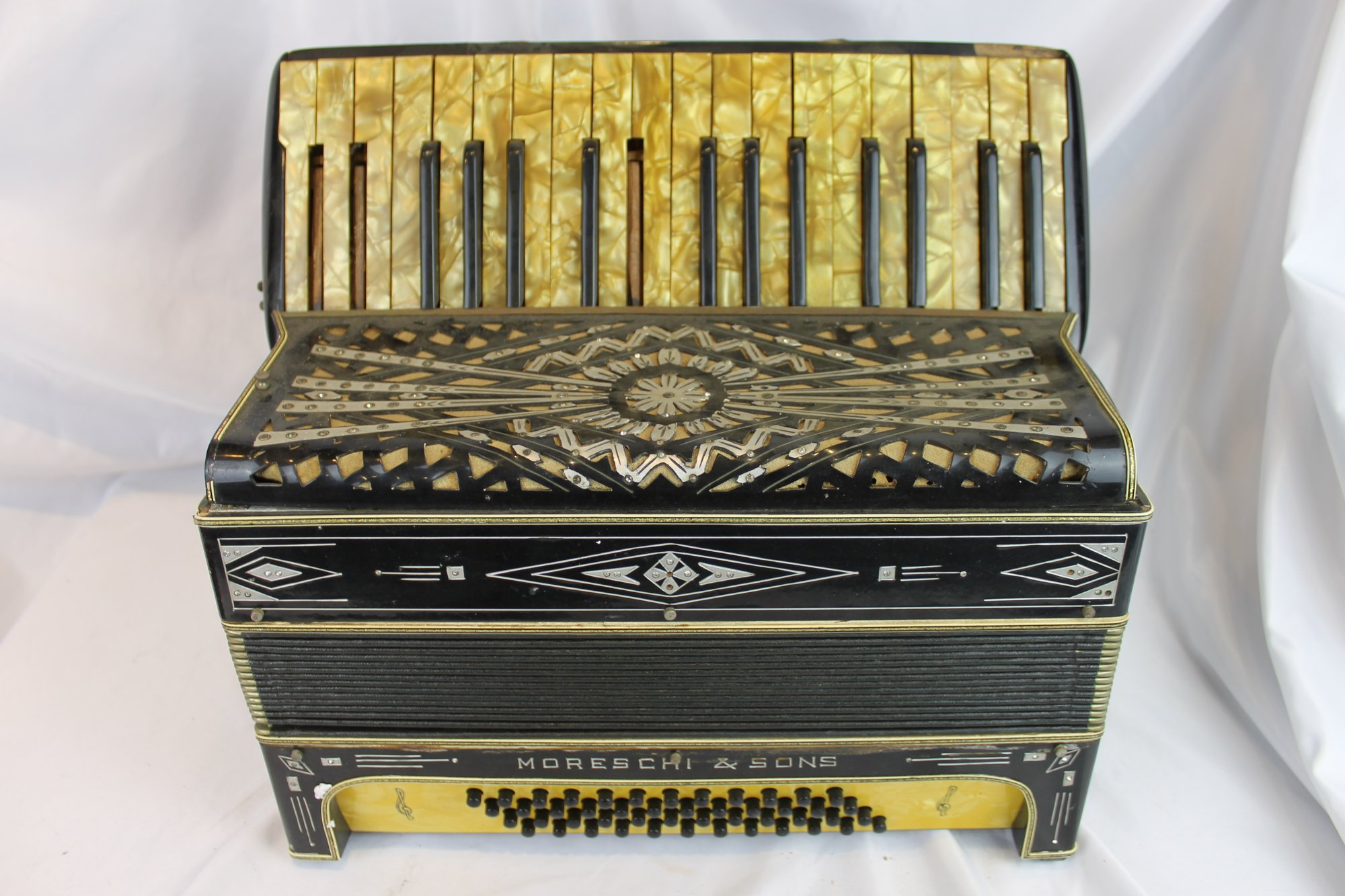 4527 - Black Moreschi & Sons Piano Accordion LMM 34 48 - For Parts or Repair