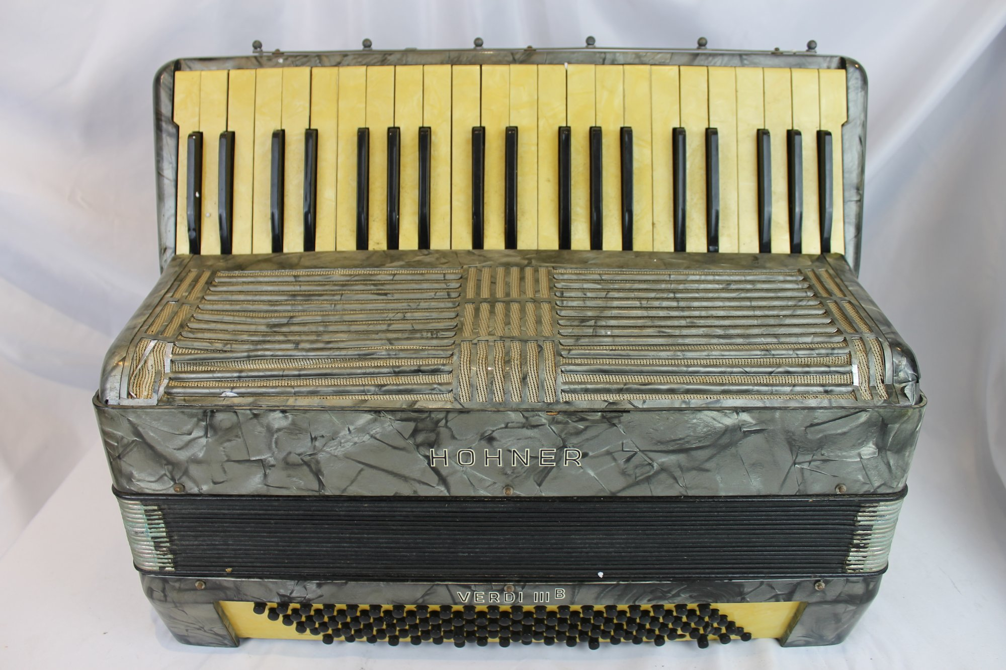 4528 - Slate Hohner Verdi IIIB Piano Accordion 41 120 - For Parts or Repair