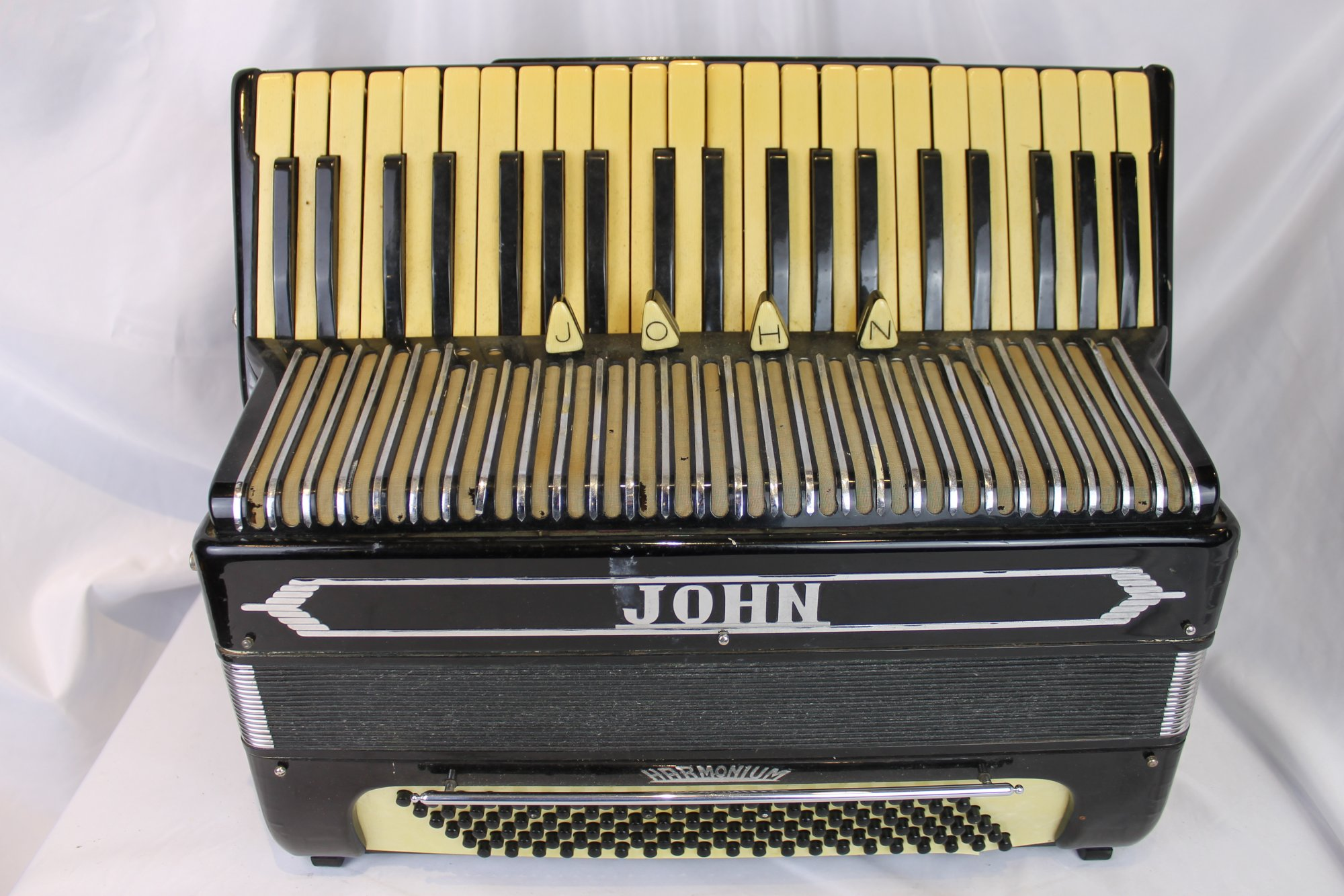 4532 - Black Harmonium John Piano Accordion LMMH 41 120 - For Parts or Repair
