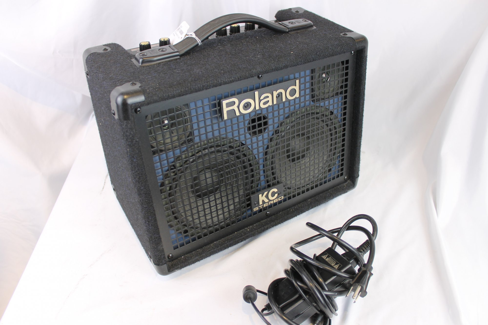 4573 - Black  Roland KC-110 Stereo Keyboard Amplifier