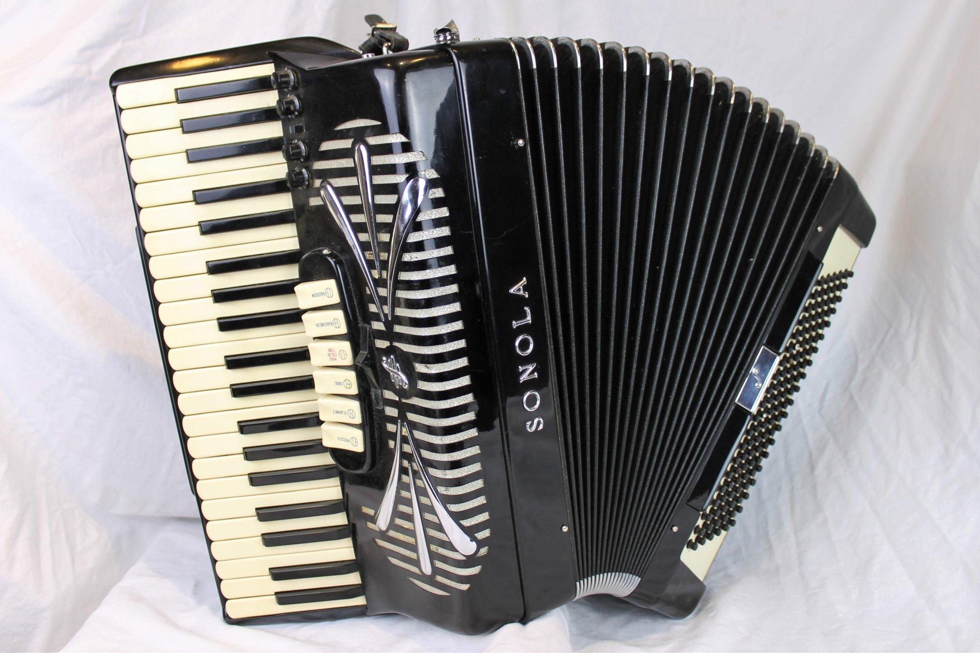 4601 - Black Sonola SS6 Piano Accordion LMH 41 120