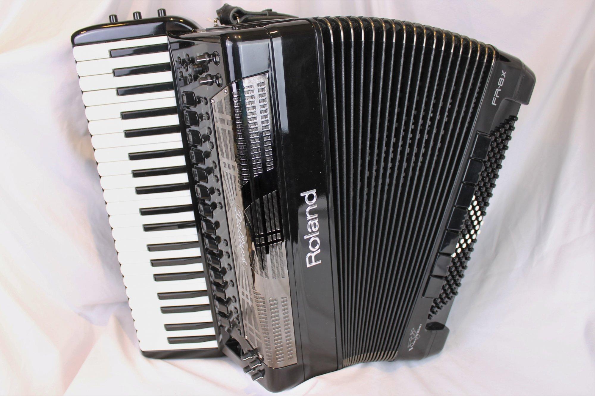 4610 - Black Dallape Limited Edition Roland FR-8X Digital Piano Accordion 41 120