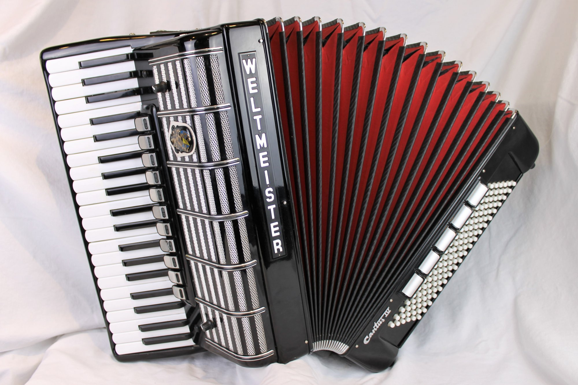 4646 - Black Weltmeister Cantus IV Piano Accordion LMMH 41 120
