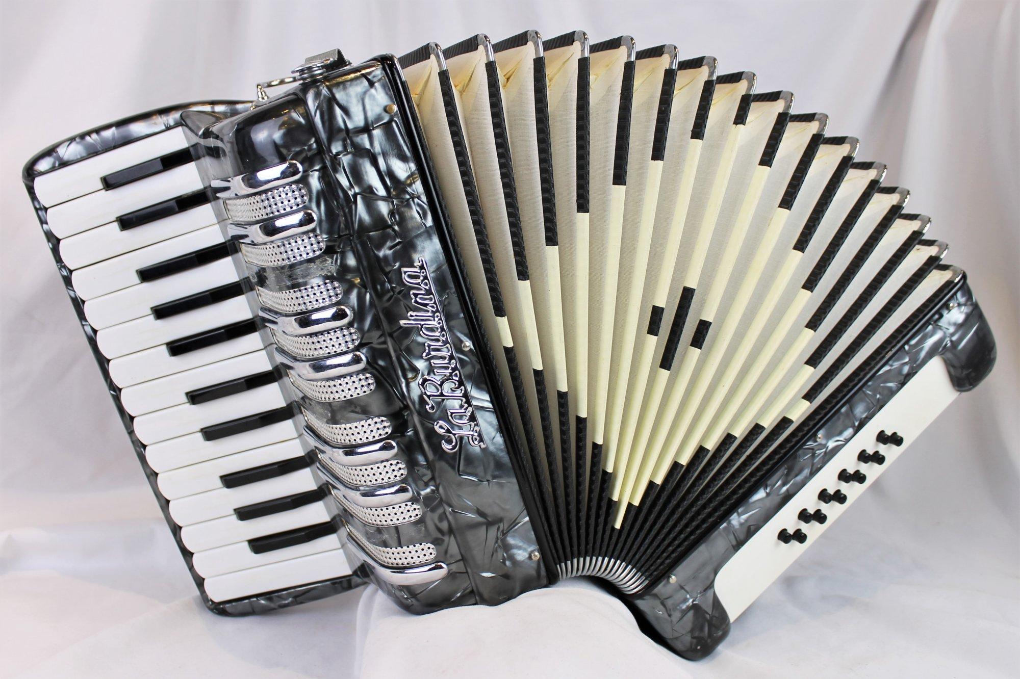 4868 - Silver Remo Pellegrini La Burdina Piano Accordion LM 25 12