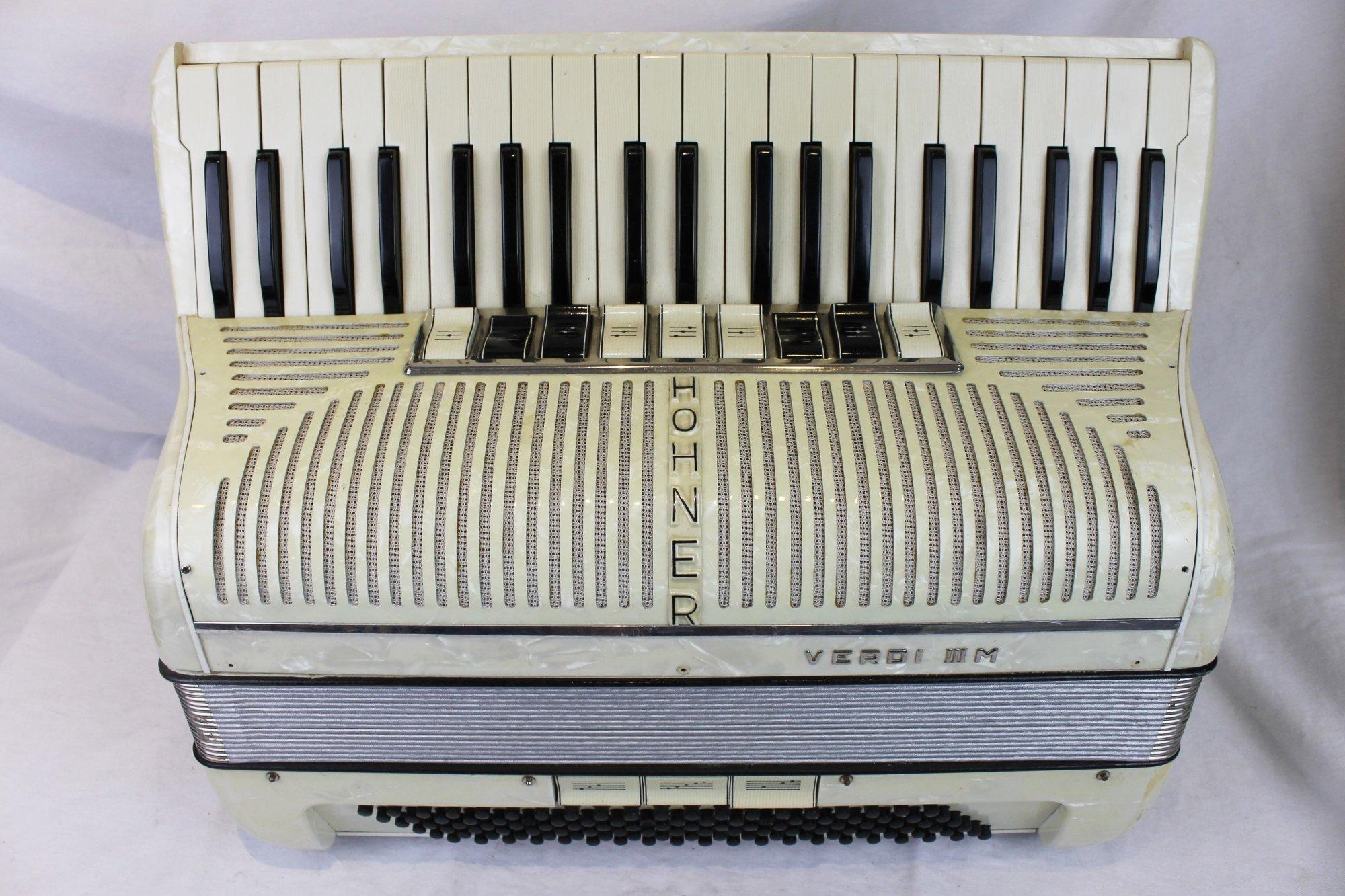 6063 - Cream Hohner Verdi IIIM Piano Accordion LMM 41 120 - For Parts or Repair