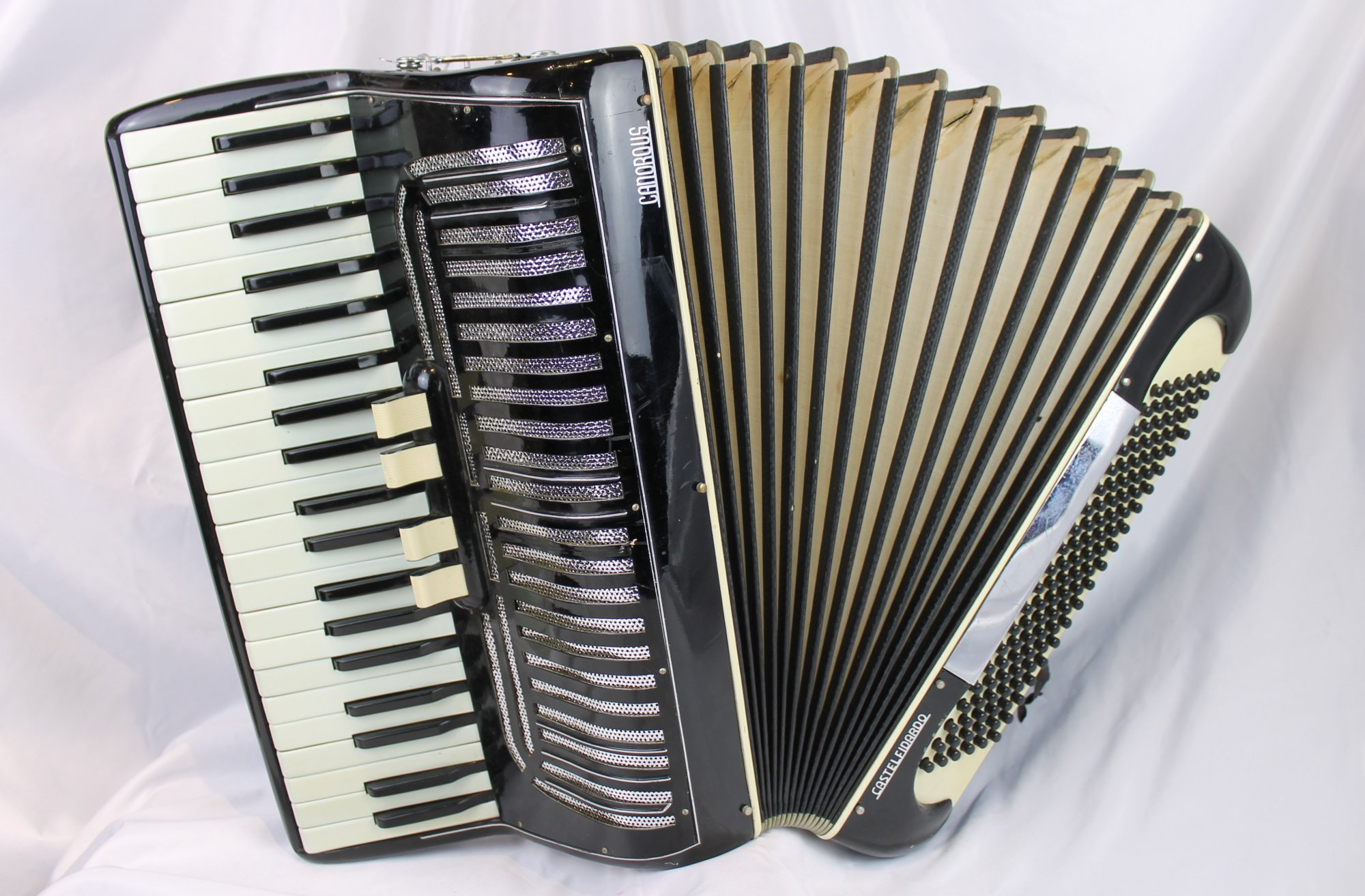 6115 - Black Canorous Piano Accordion LMM 41 120