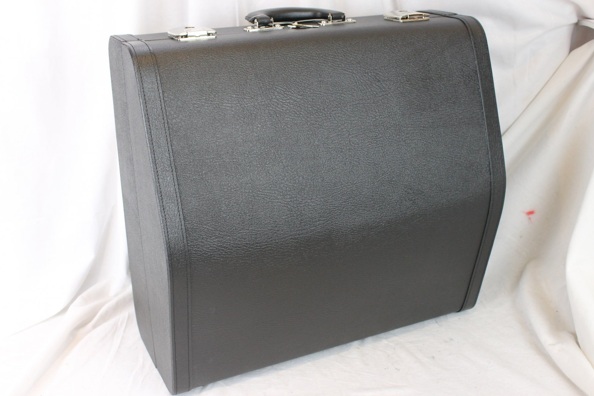 NEW Black German Accordion Hard Case 16.5 x 16 x 9 (42cm x 40cm x 23cm)