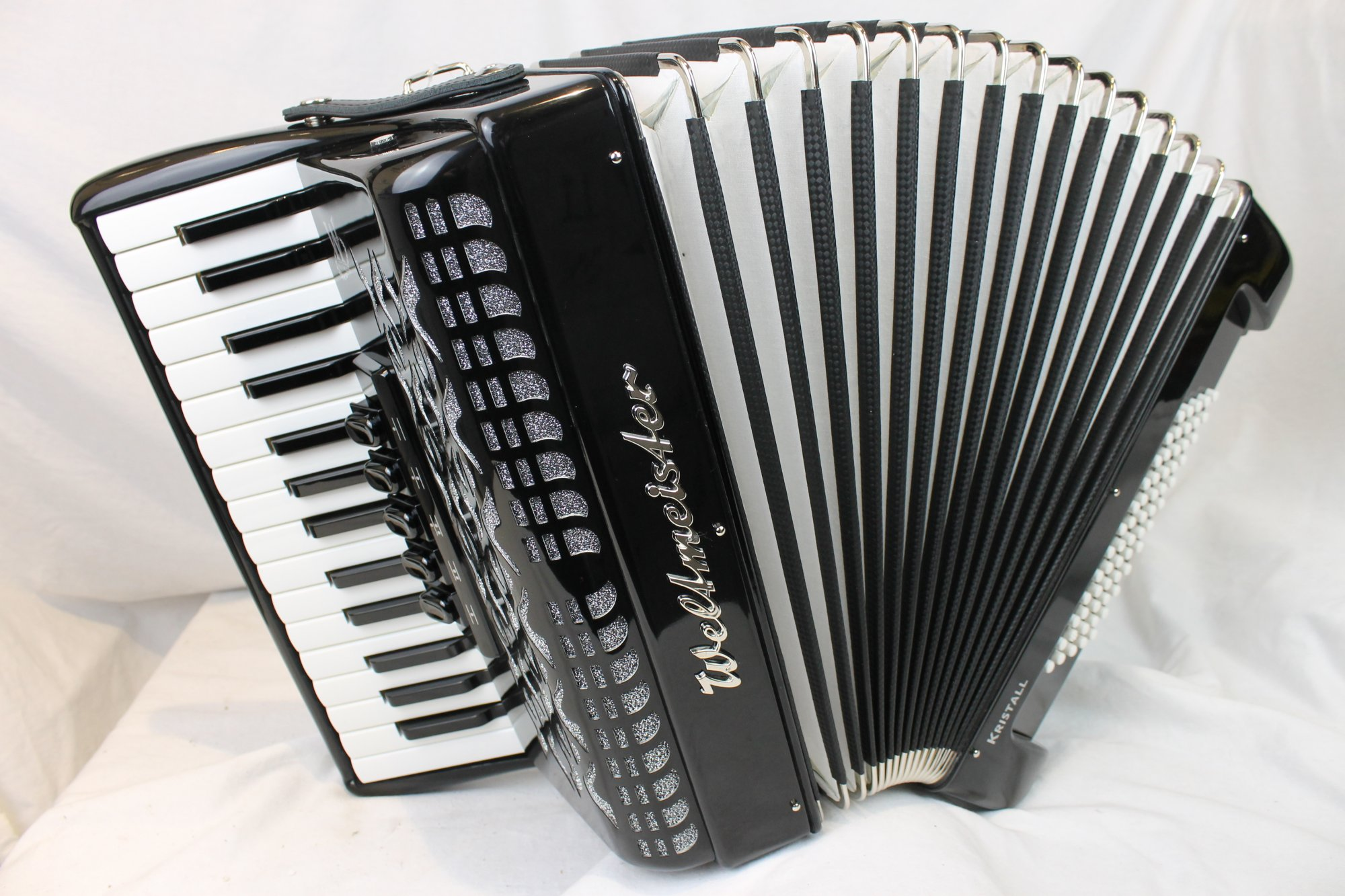 NEW Black Stylish Weltmeister Kristall Piano Accordion LMM 30 60