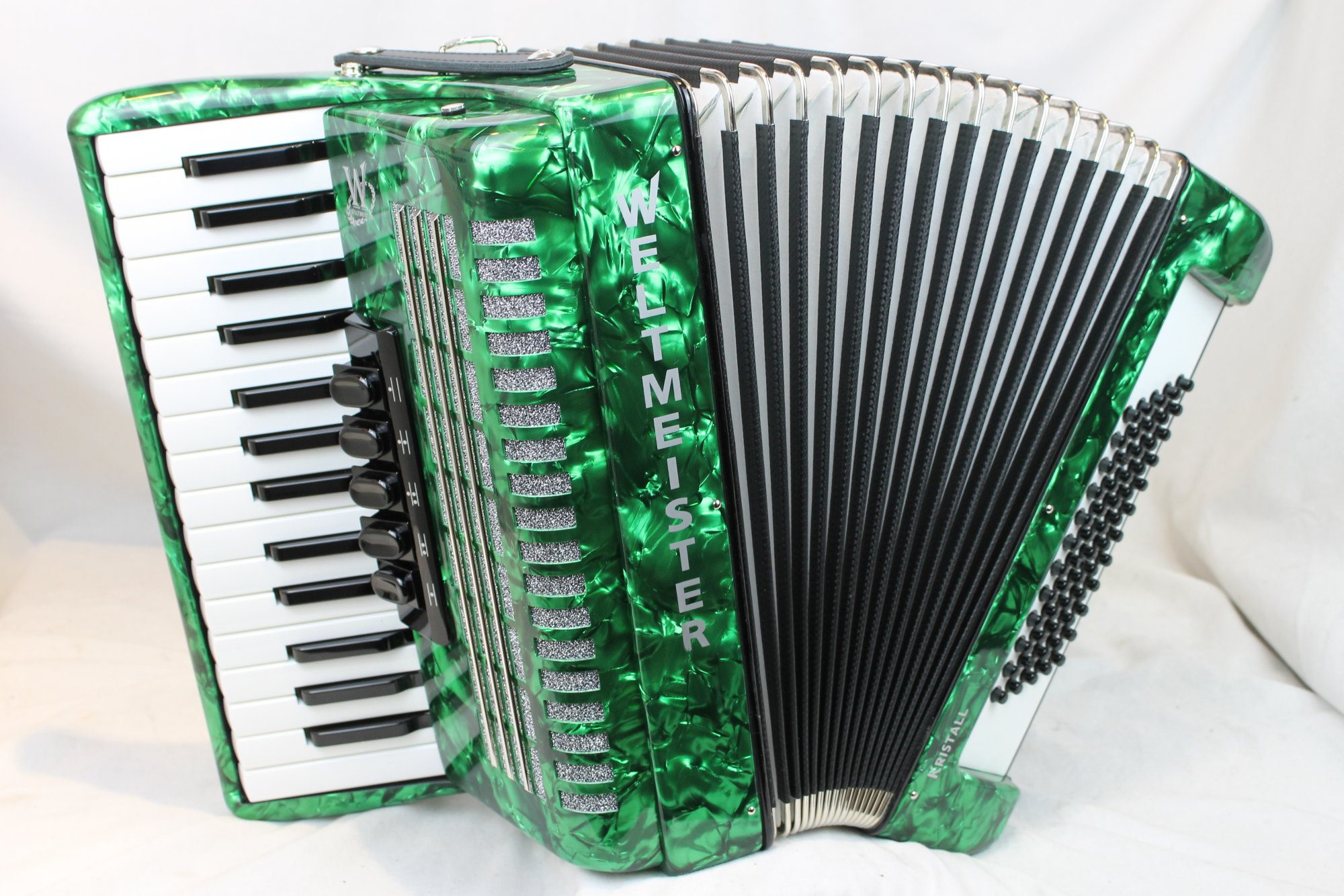 NEW Green Weltmeister Kristall Piano Accordion LMM 30 60