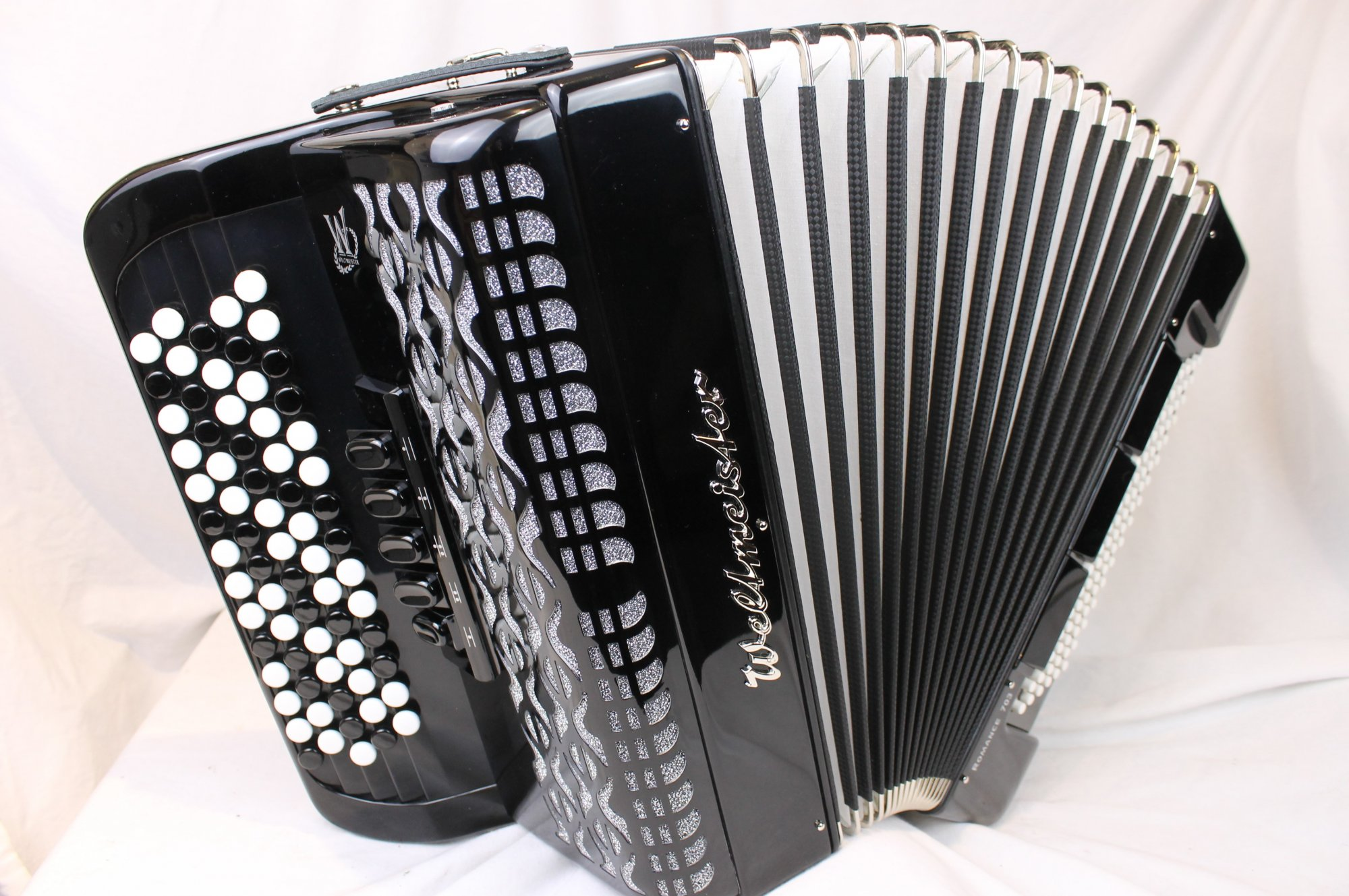 NEW Black Stylish Weltmeister Romance 703 Chromatic Button Accordion B LMM 70 96