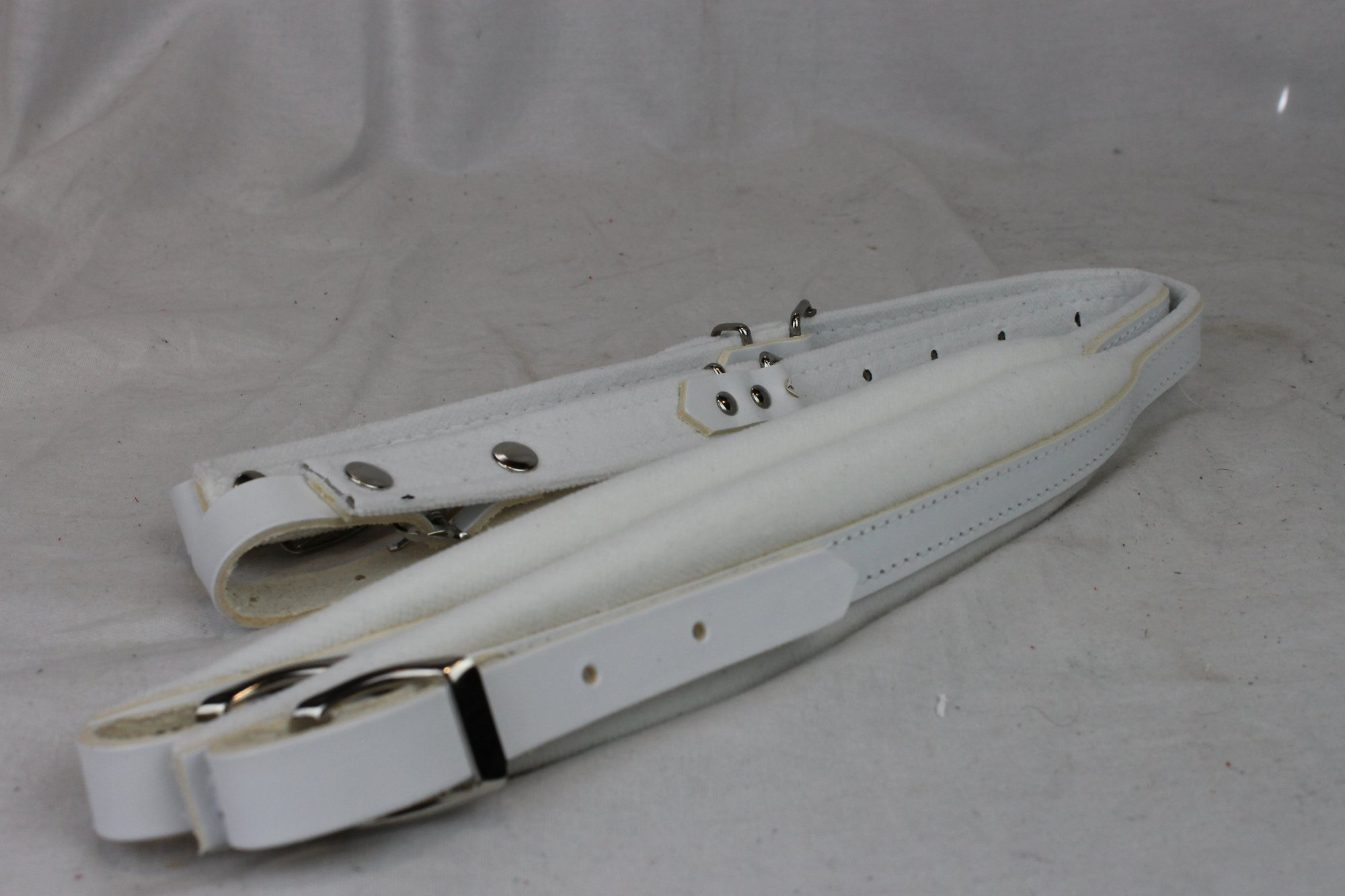 New White Leather Velour Fuselli Accordion Shoulder Straps Width (4.5 cm / 1.8 inch) Length (57cm-76cm / 22.4-29.9)