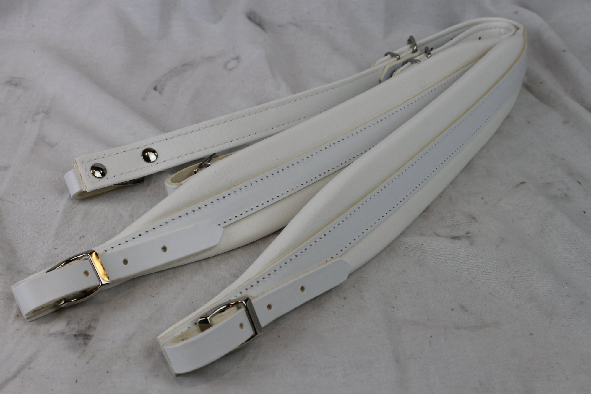 New White Leather Fuselli Accordion Shoulder Straps Width (6cm / 2.4in) Length (85~105cm / 33.5~41.3in)
