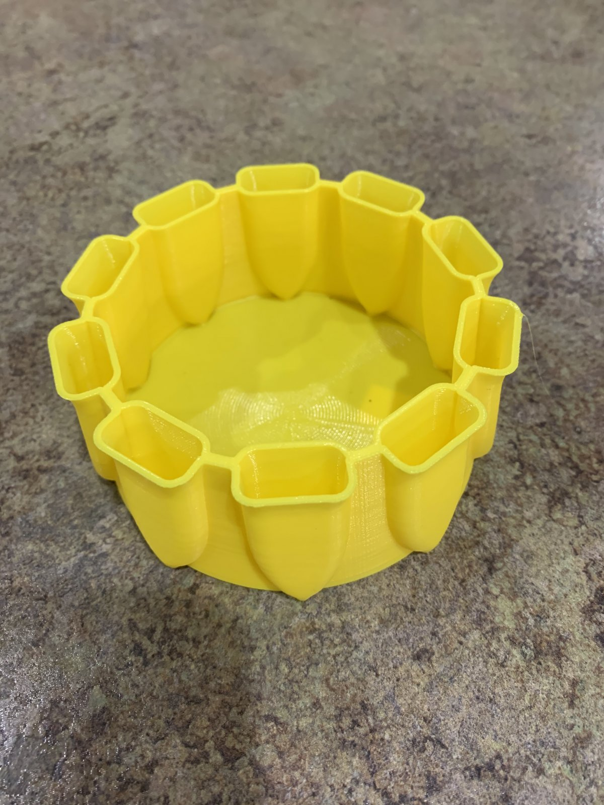 Marko Ring-Toss Brush Caddy Yellow