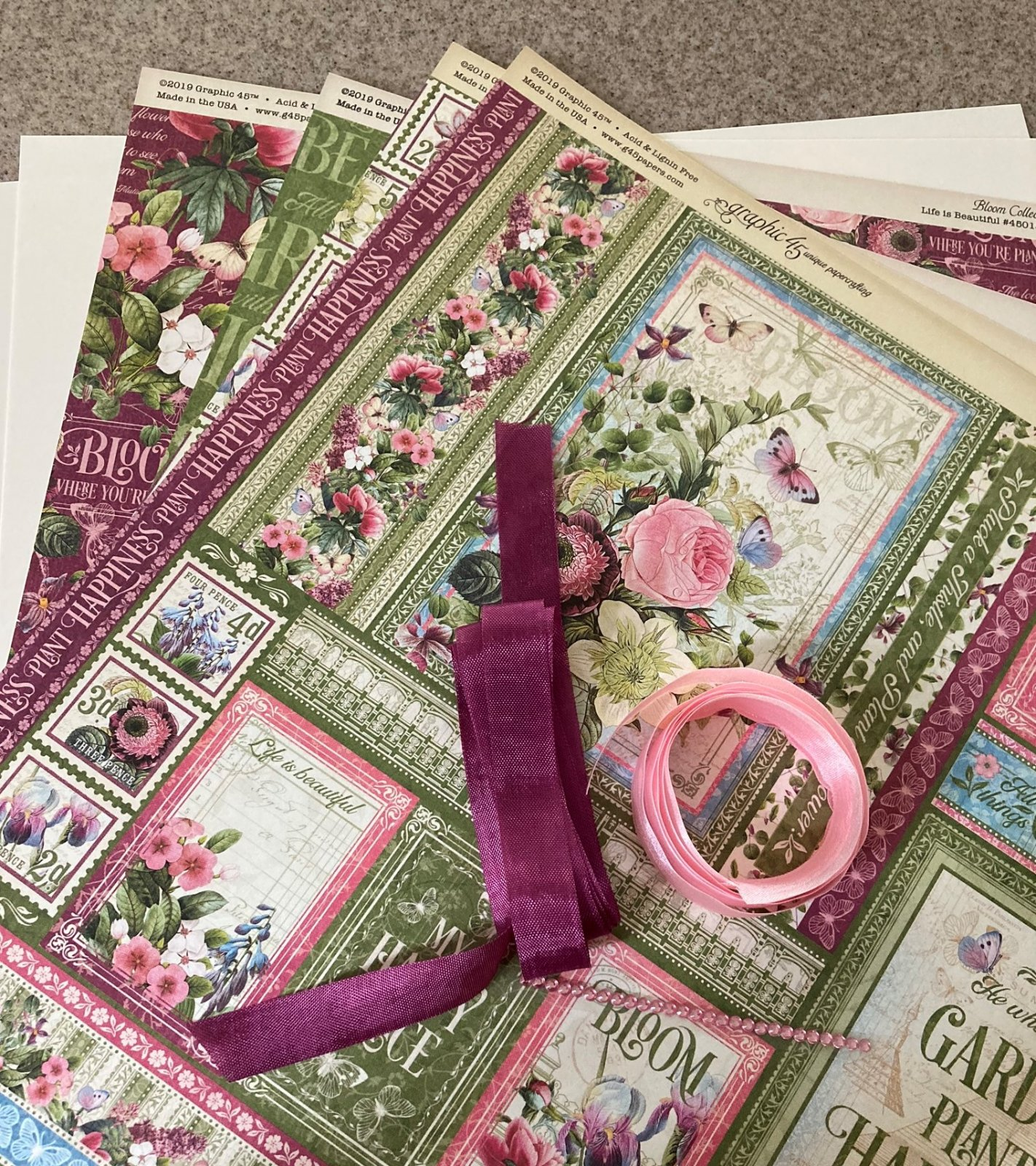 Graphic 45 Bloom paper/embellishment kit