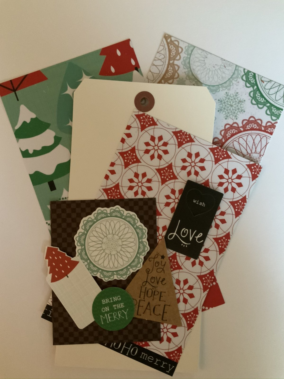 Julie Nutting tag kit - Holly Jolly