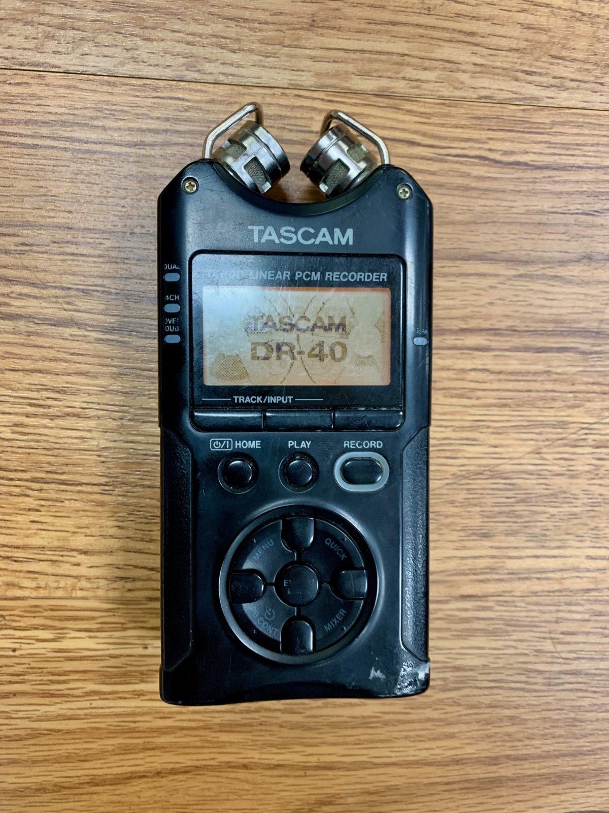 TASCAM DR-40 PORTABLE 4 TRACK DIGITAL RECORDER (USED)