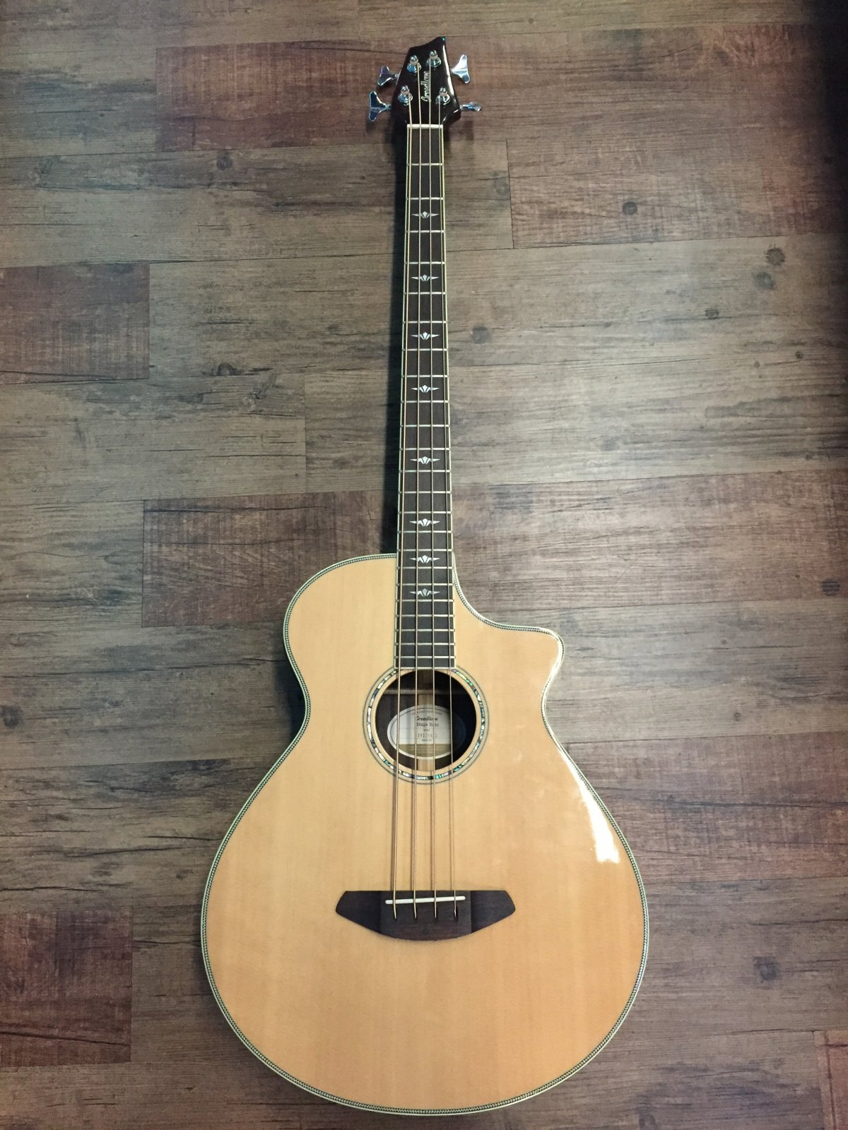 BREEDLOVE STAGE BASS ACOUSTIC-ELECTRIC BASS SOLID SPRUCE/ROSEWOOD (USED)