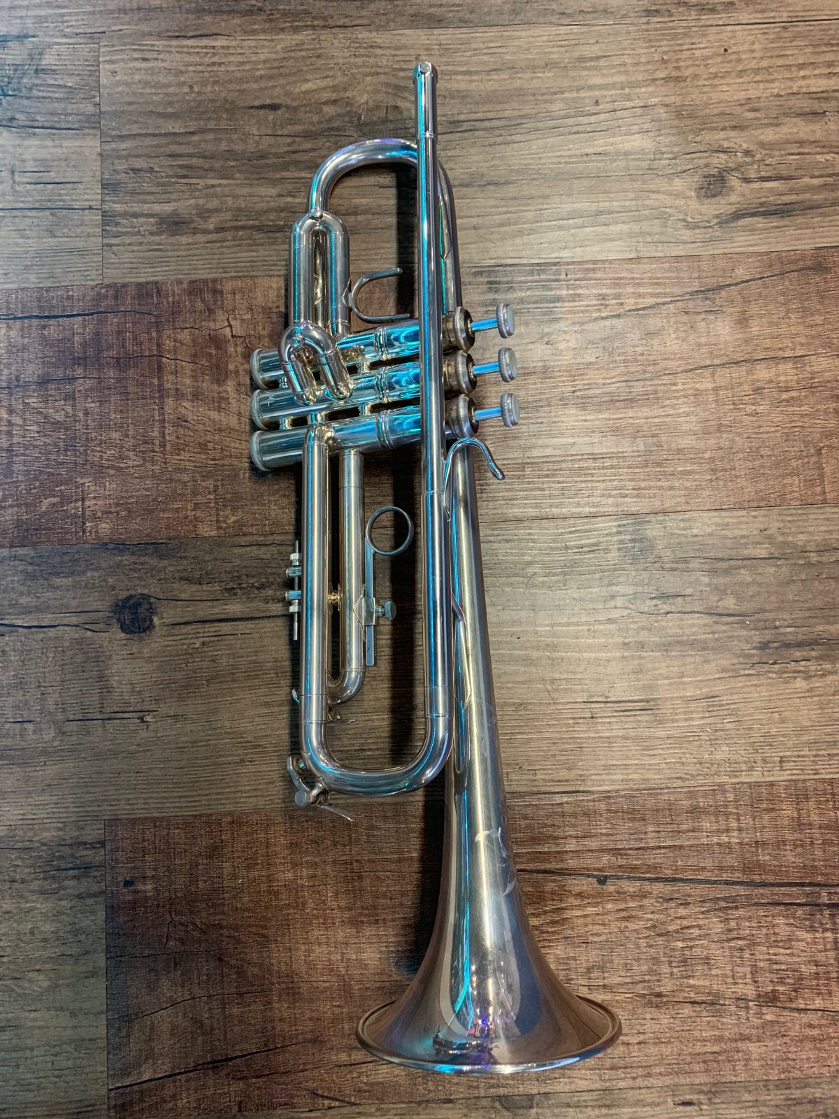 BACH OMEGA Bb TRUMPET SILVER (USED)