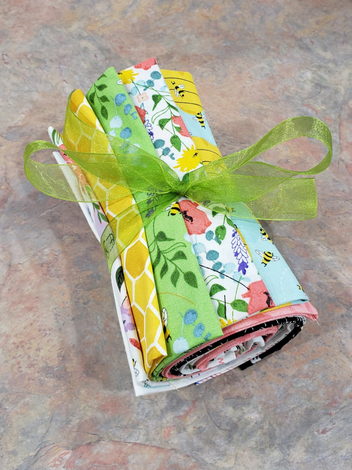 Feed the Bees - Fat Quarter Bundle - 10 Pieces