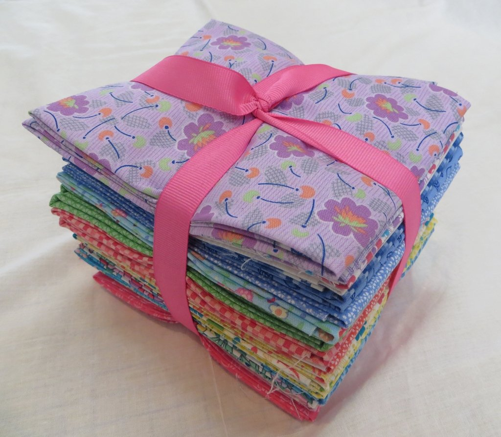 Prettiful Posies - Fat Quarter Bundle - 24 pieces