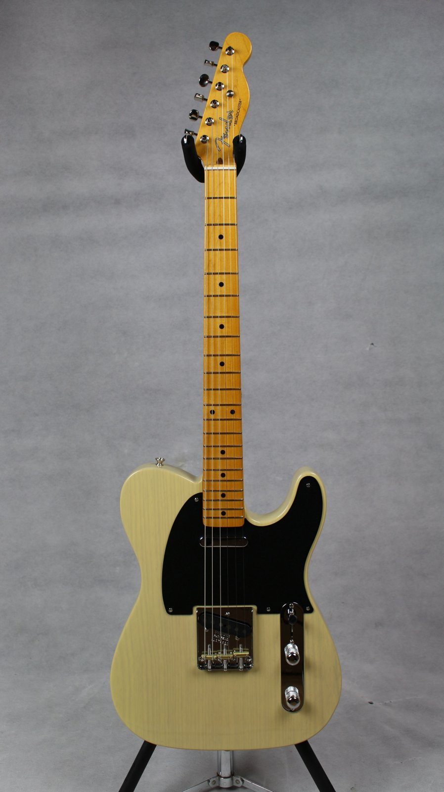 Fender 70th Anniversary Broadcaster MN Blackguard Blonde
