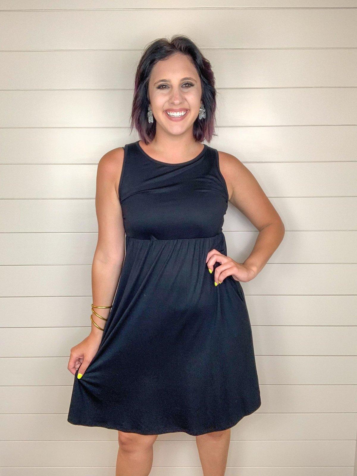Slvless midi length dress