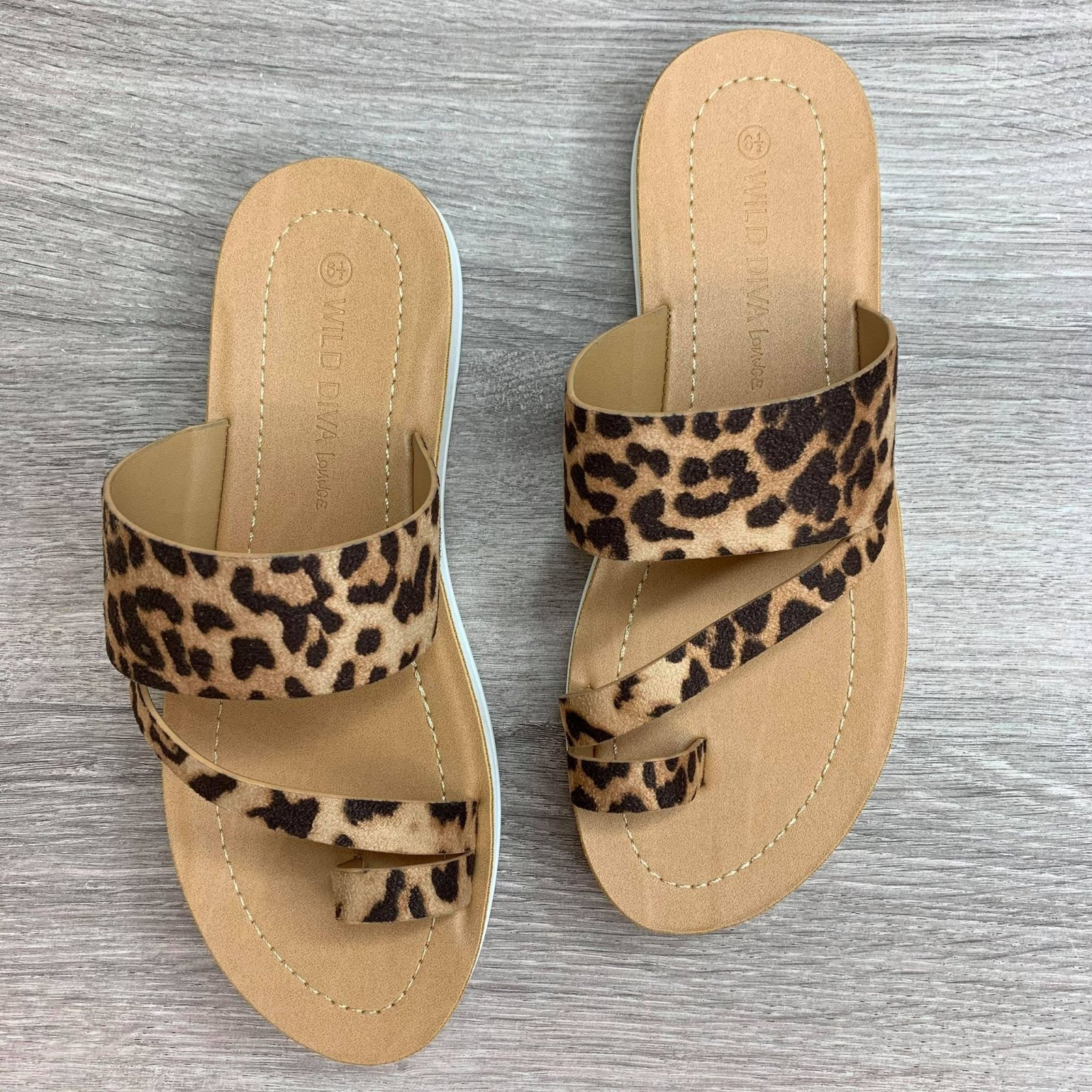 Toe Strap Leopard Sandal