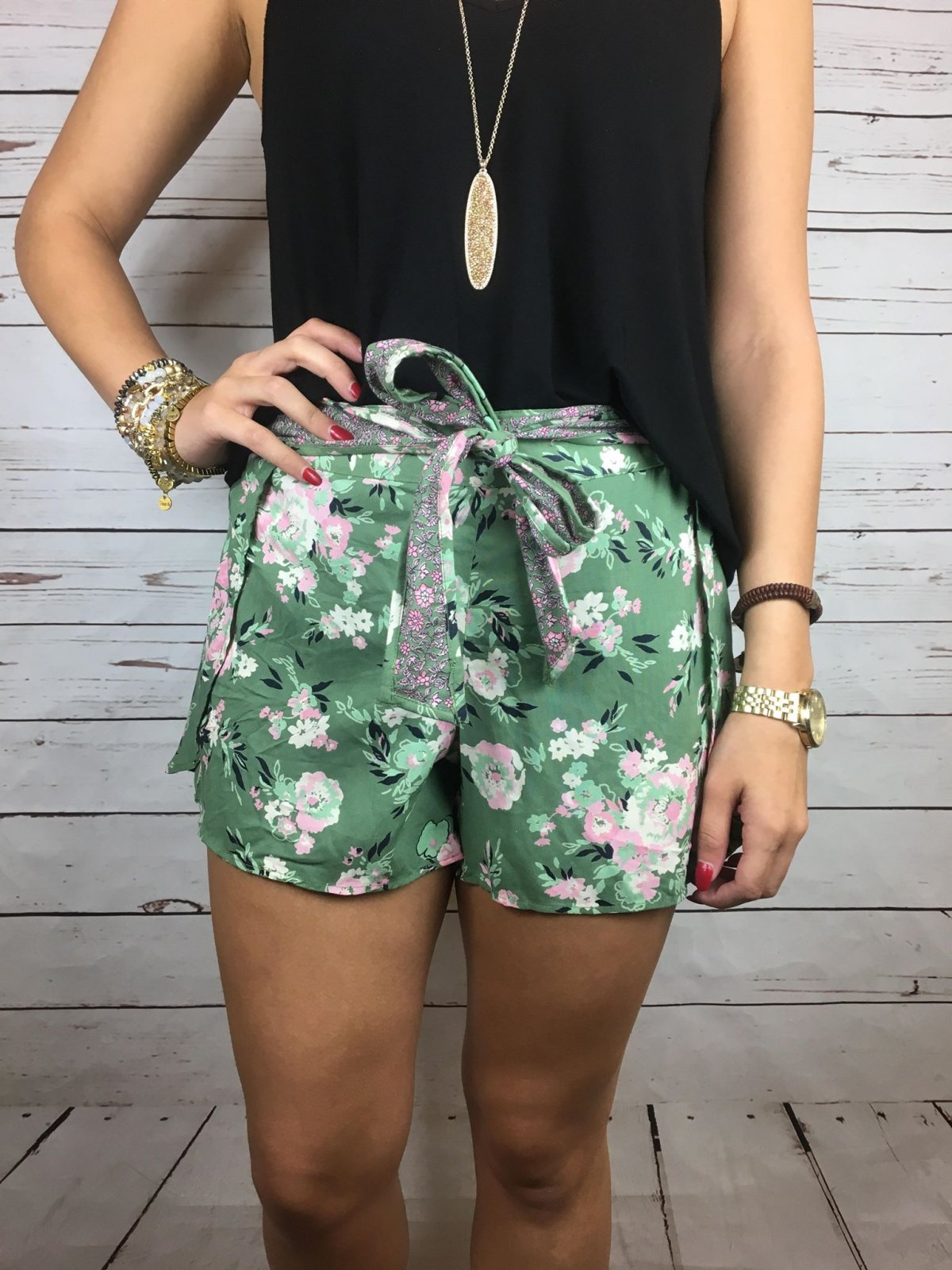 B3614-W626 floral shorts with self tie belt
