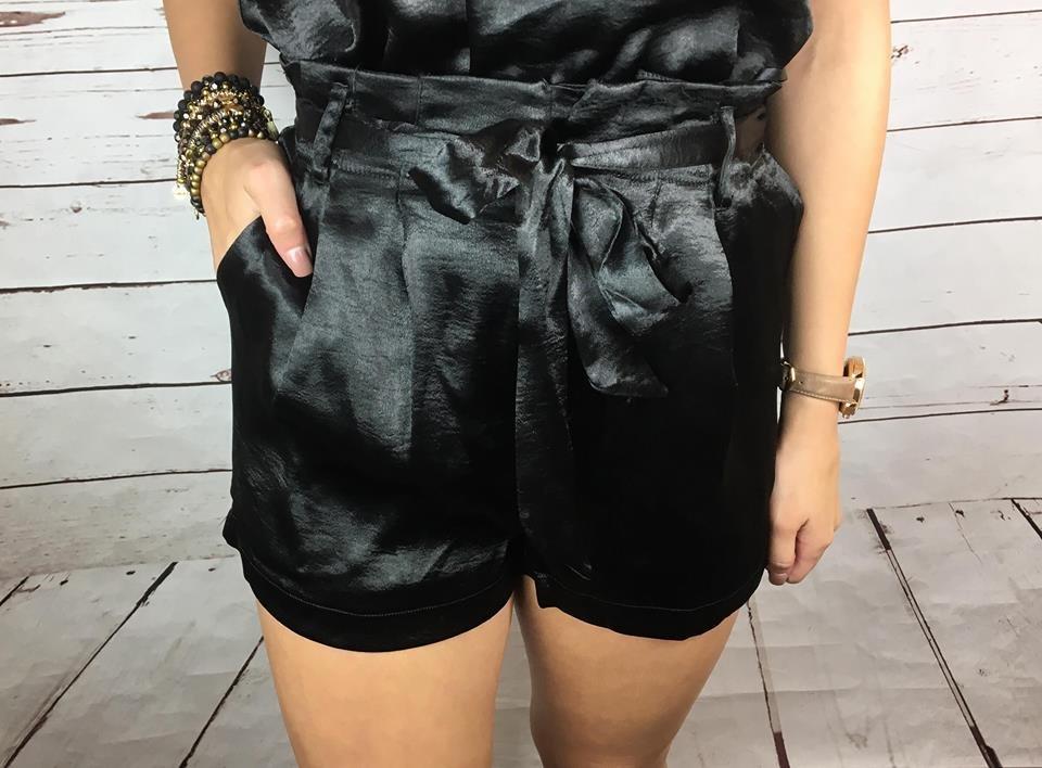 Satin shorts w/waist tie