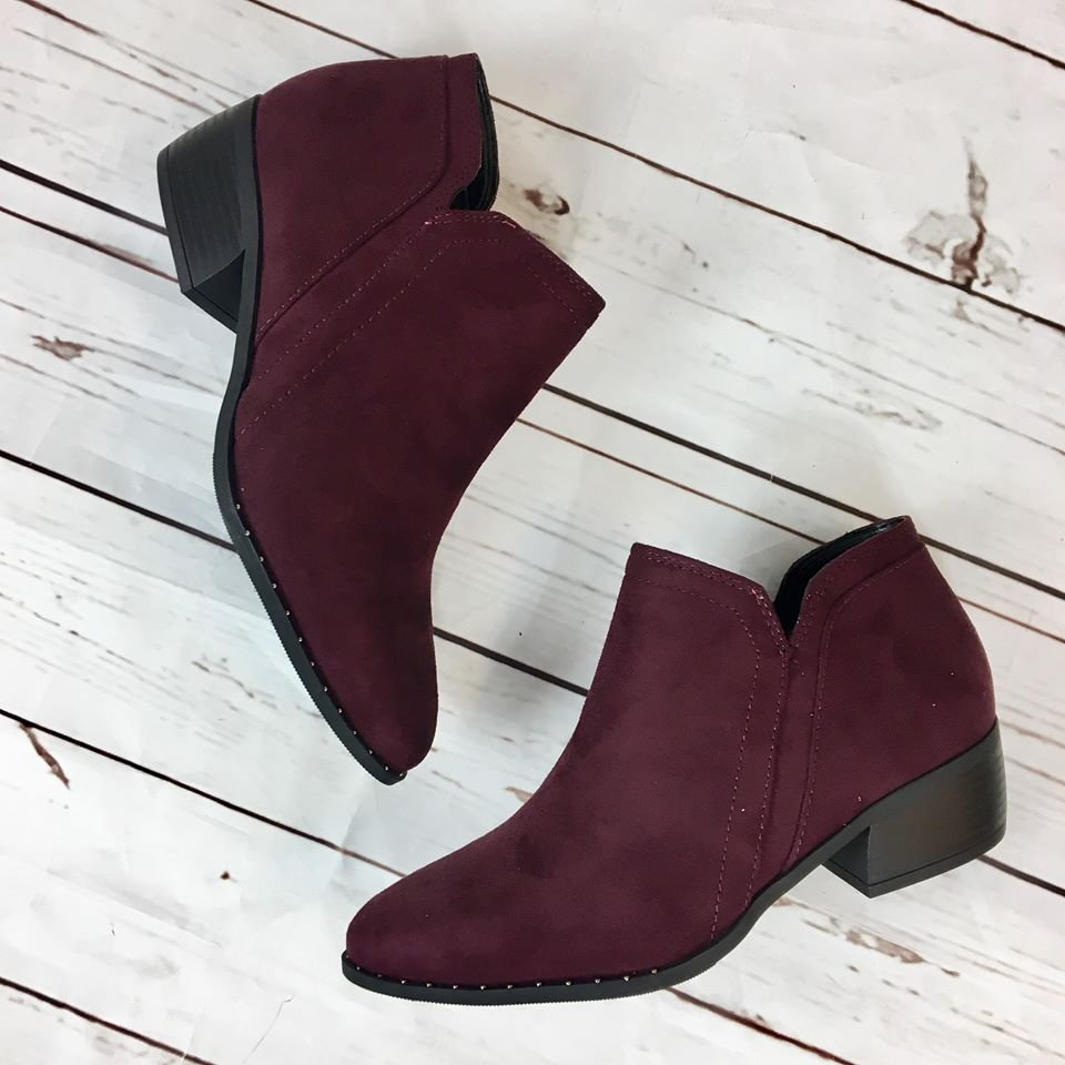 Side zip low bootie