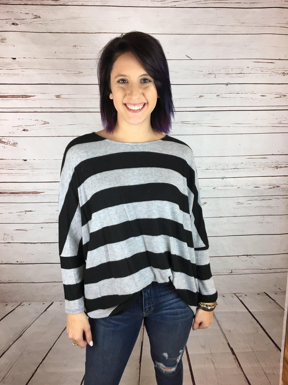 Wide stripe sloppy knit