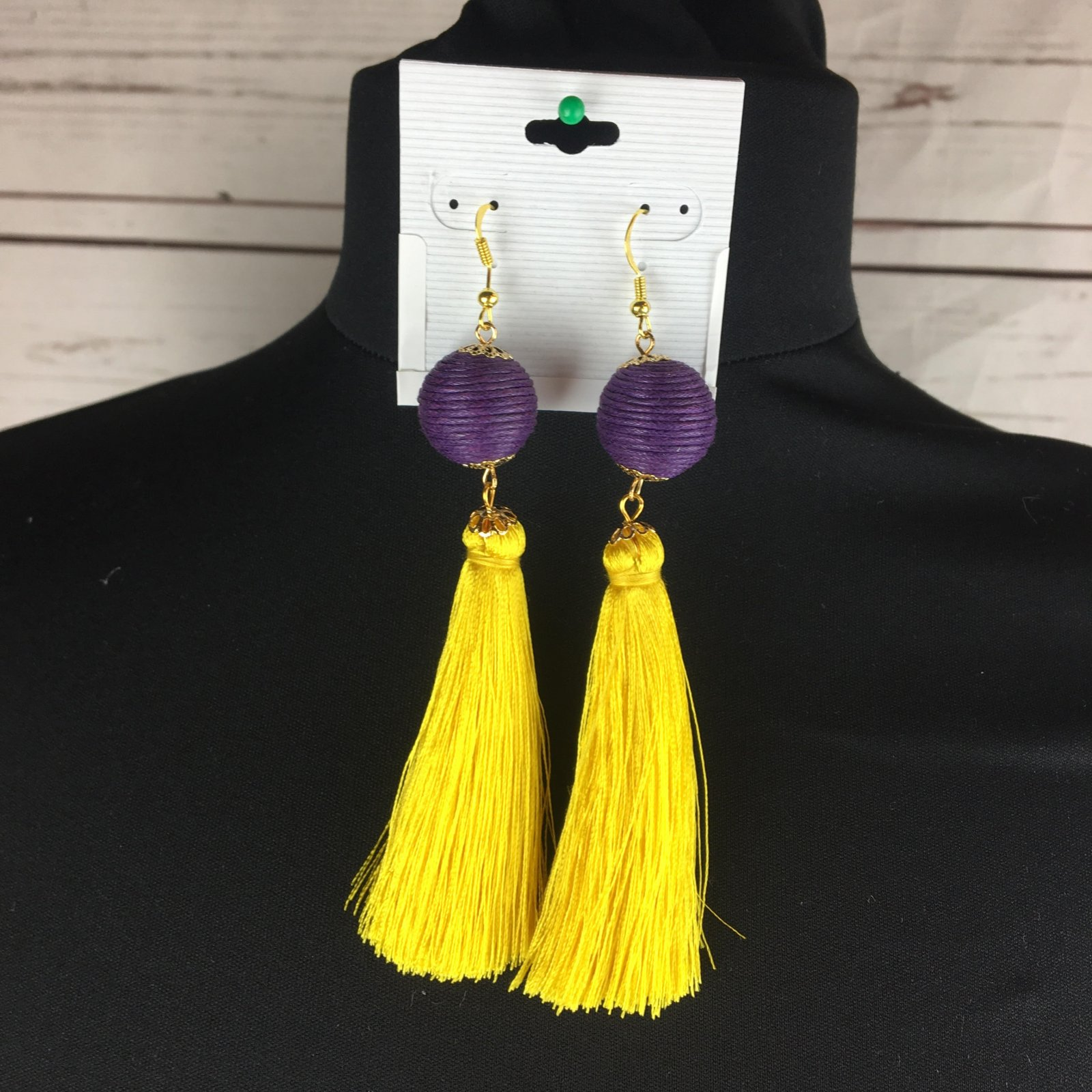 Wrapped bead tassel ear