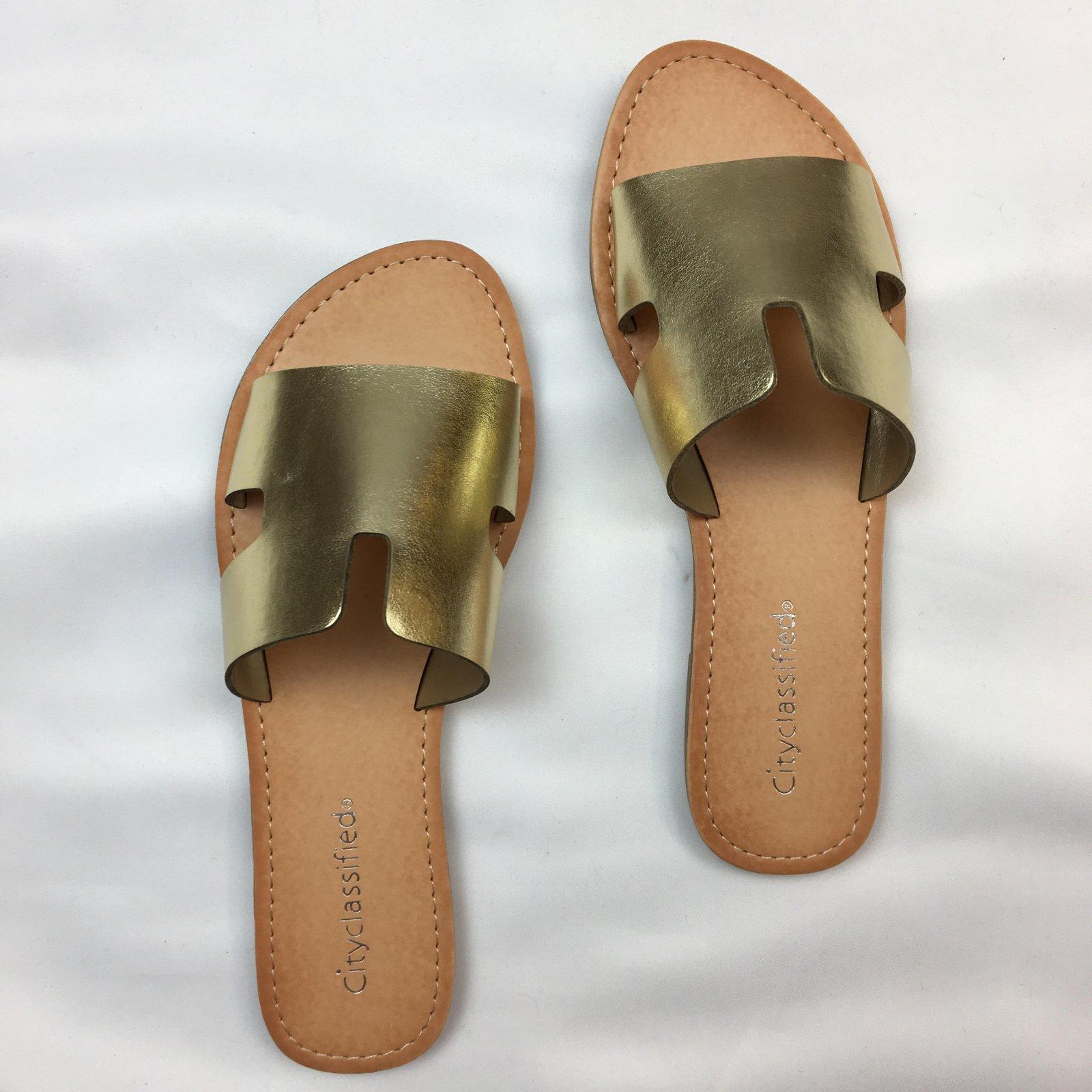 Wide strap Sandal