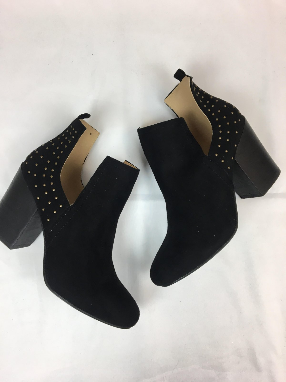 Open sides studded bootie