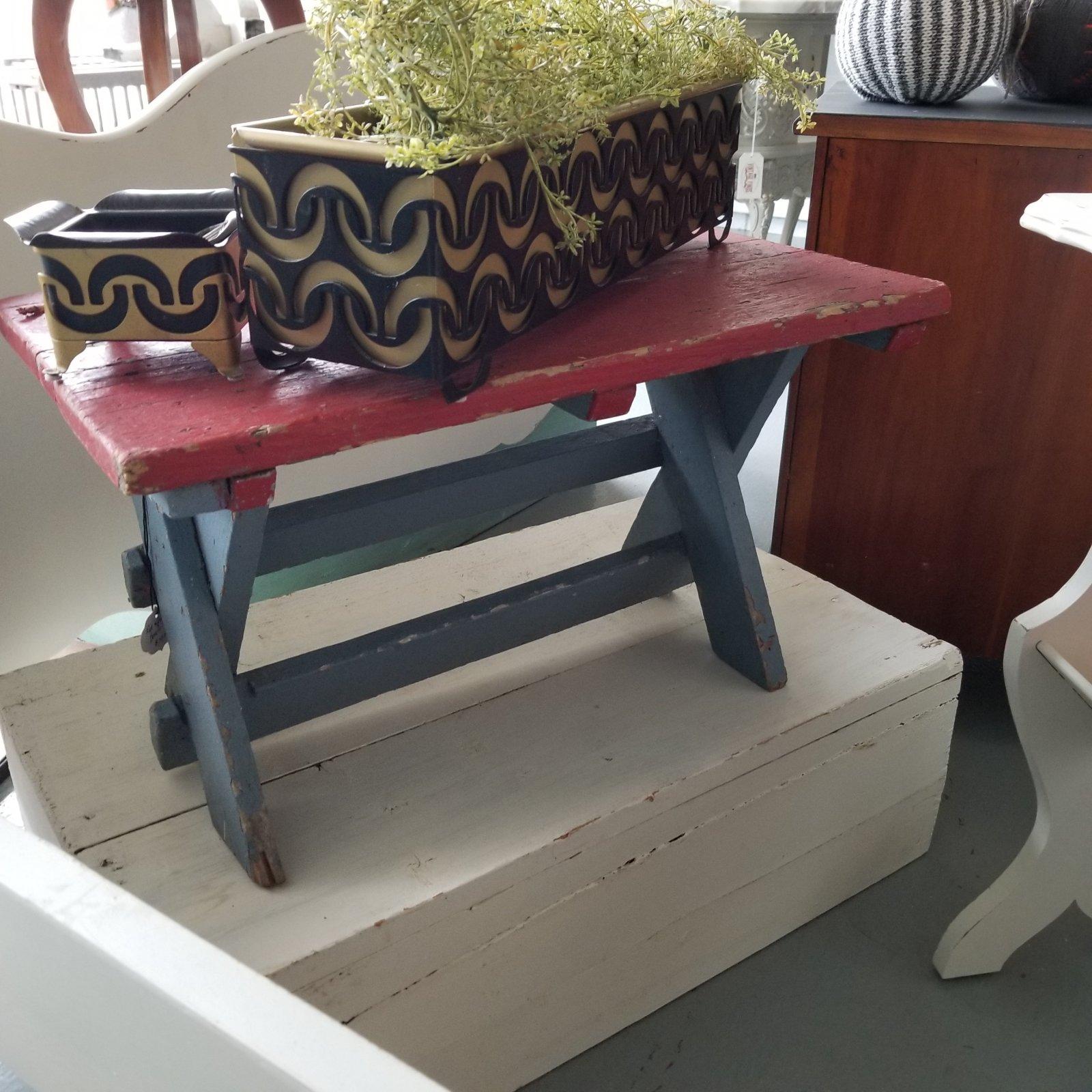 Red & Grey Chippy Bench