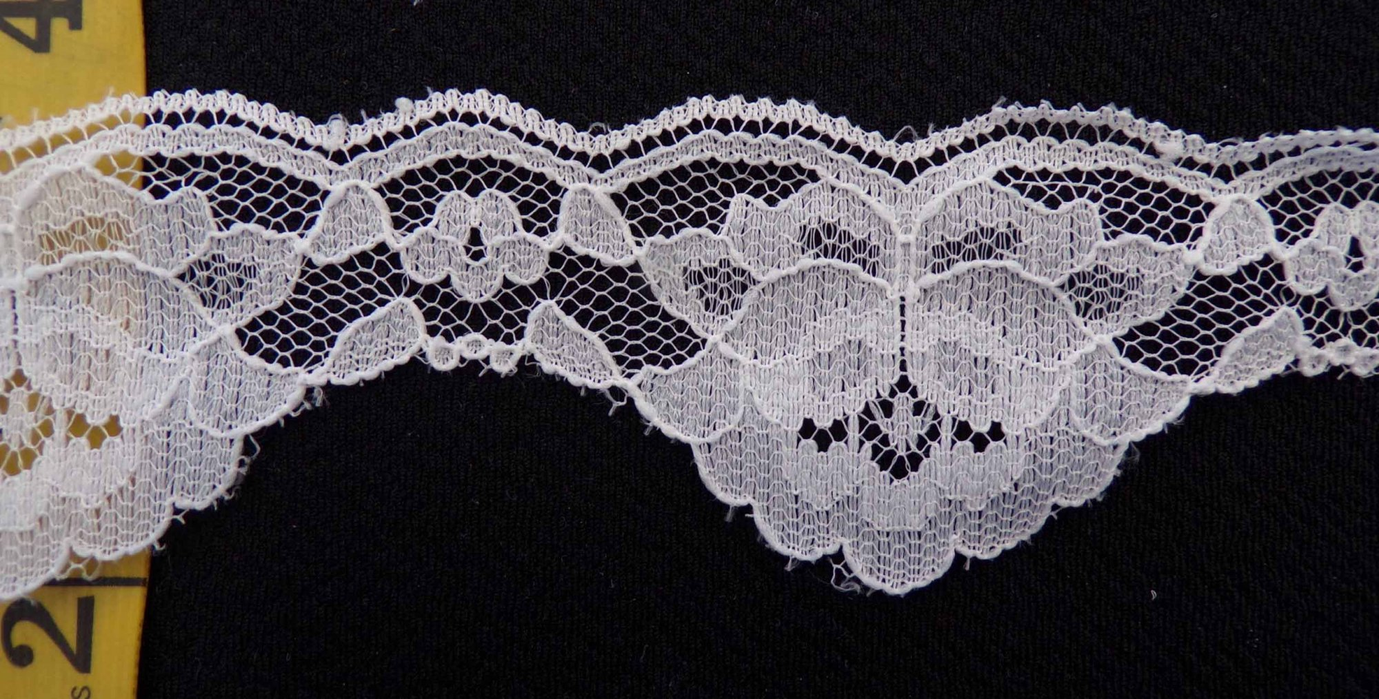 1 to 1 3/4 High-Low Rigid Lace - Ivory