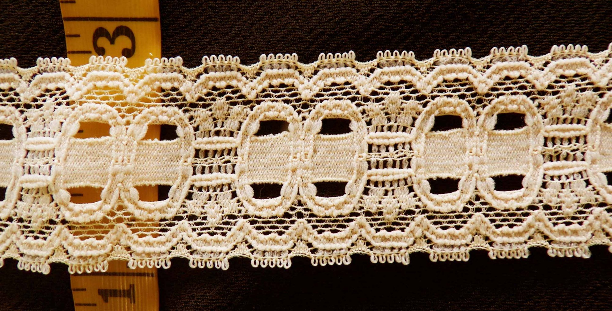 1 3/4 Beige Stretch lace (BGSL296)
