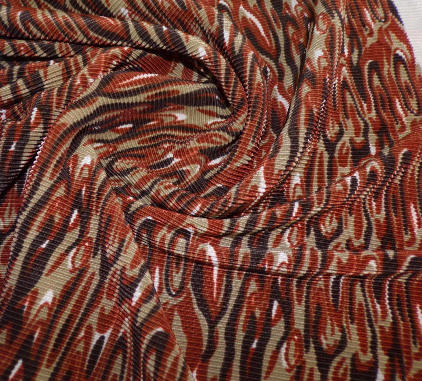 Crinkle Knit - Brown Swirl