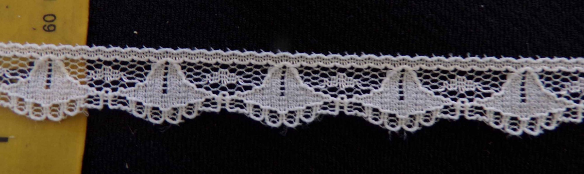1/2 Ivory Rigid Lace