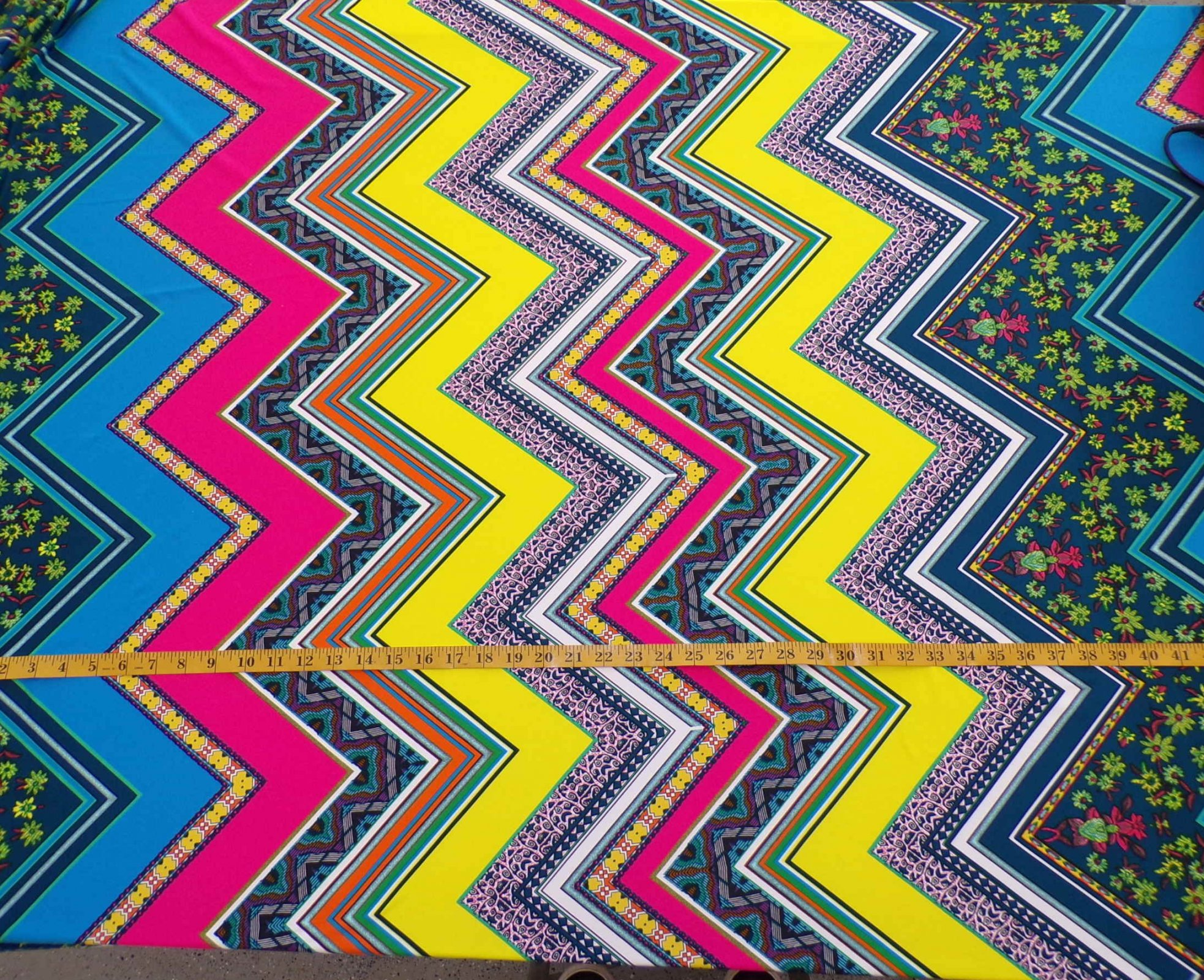 ITY Jersey - Multicolor Chevron - large scale