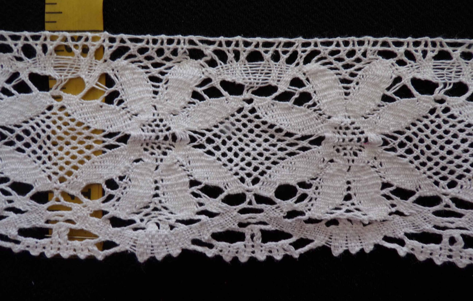 3 1/4 Cluny Lace - White