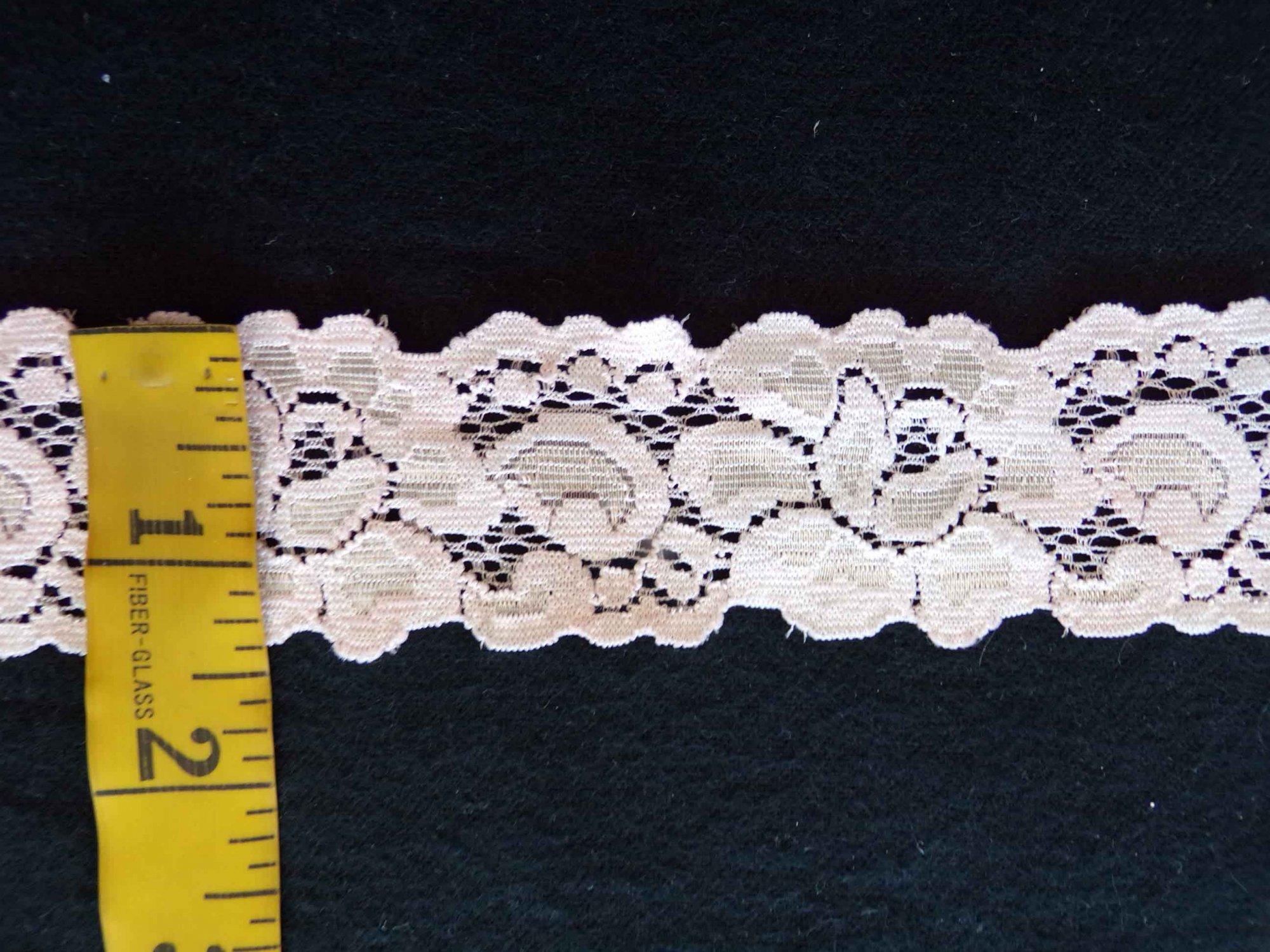 1 5/8 Pale Peach Stretch Lace