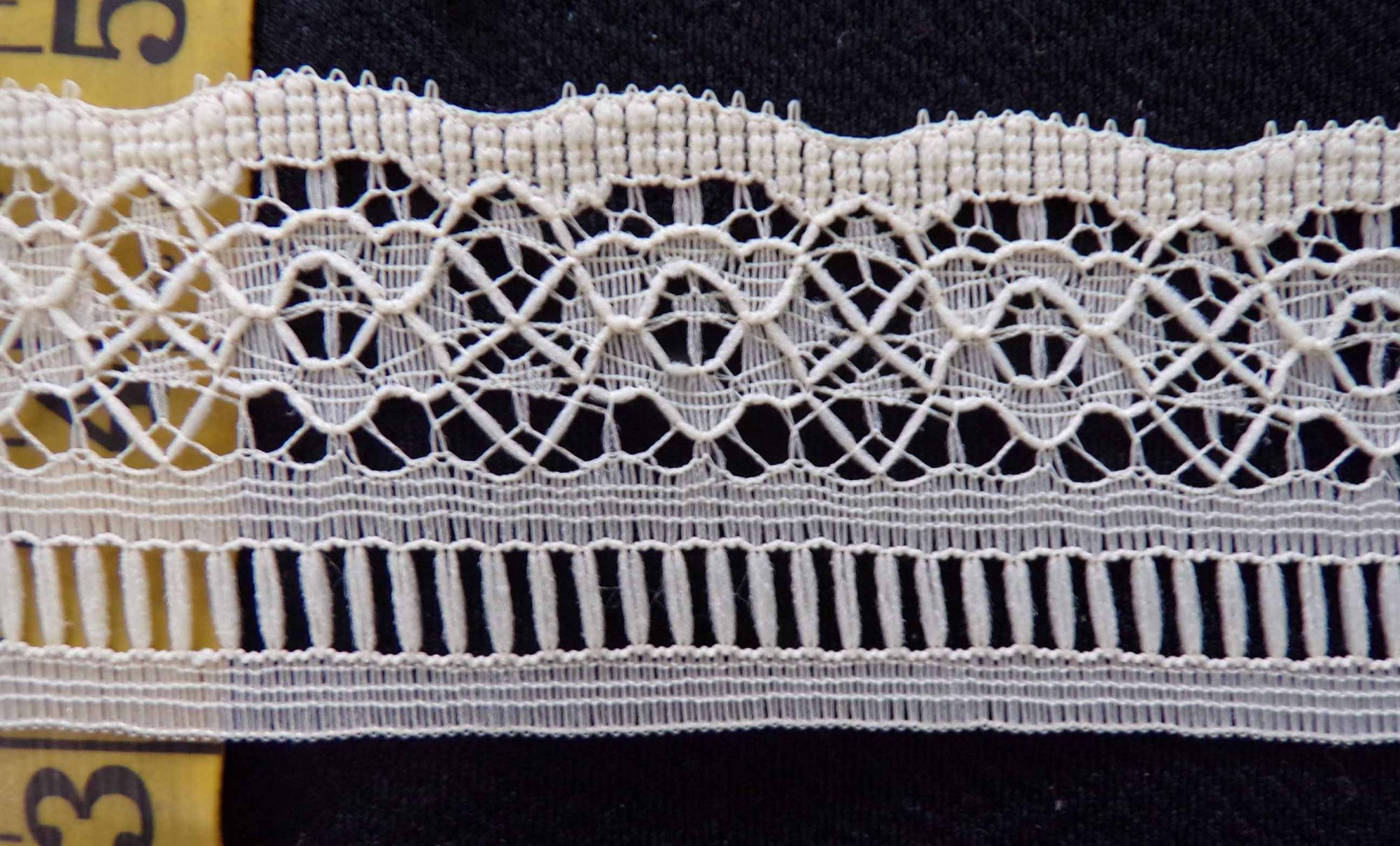 1 5/8  Rigid Lace  - Beige
