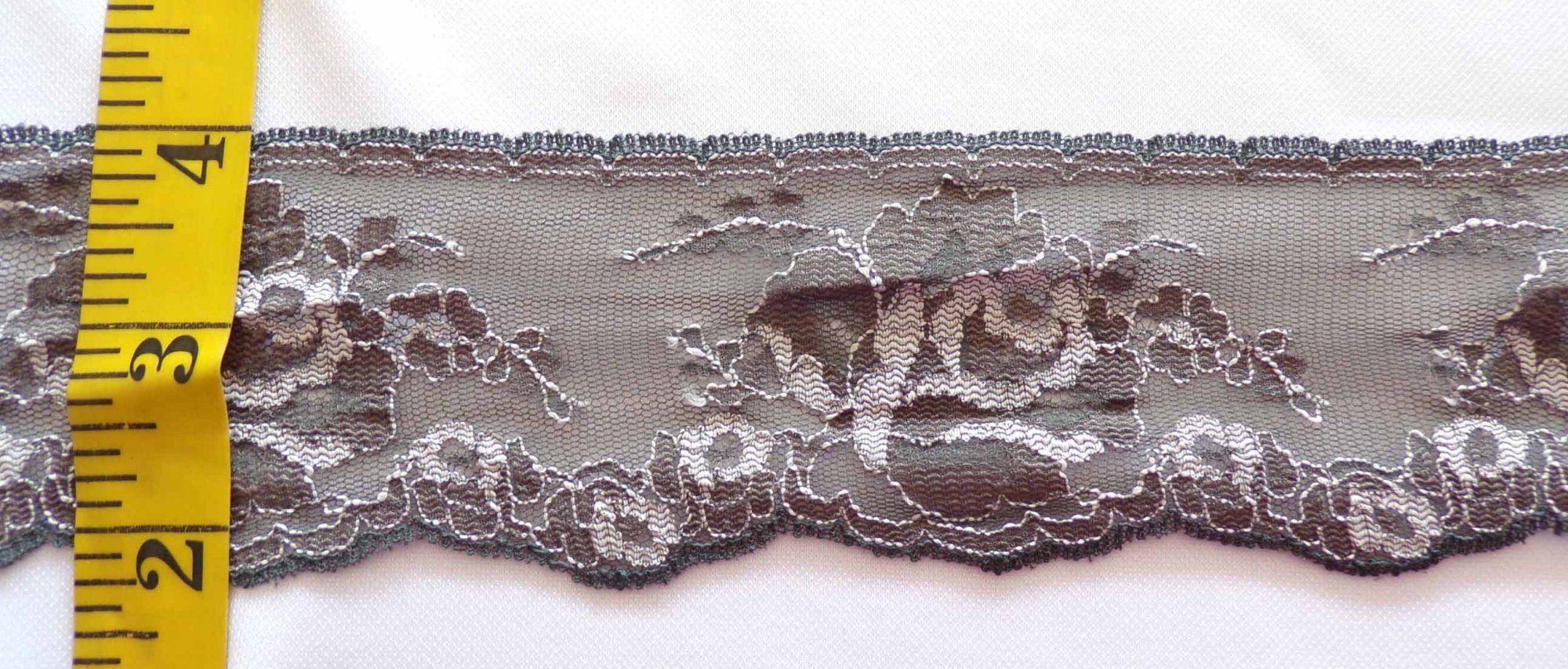1 3/4  Rigid Lace - Brown and White
