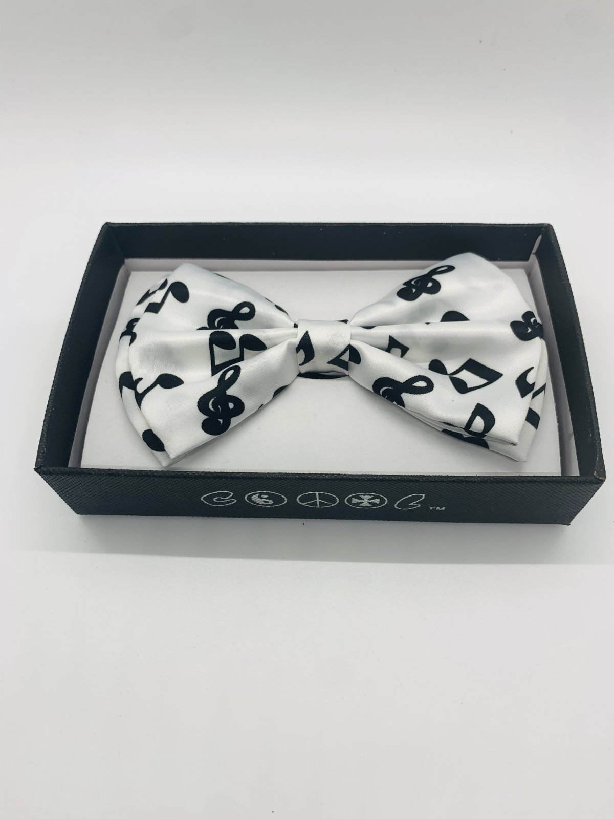 Bow Tie White With Black Notes