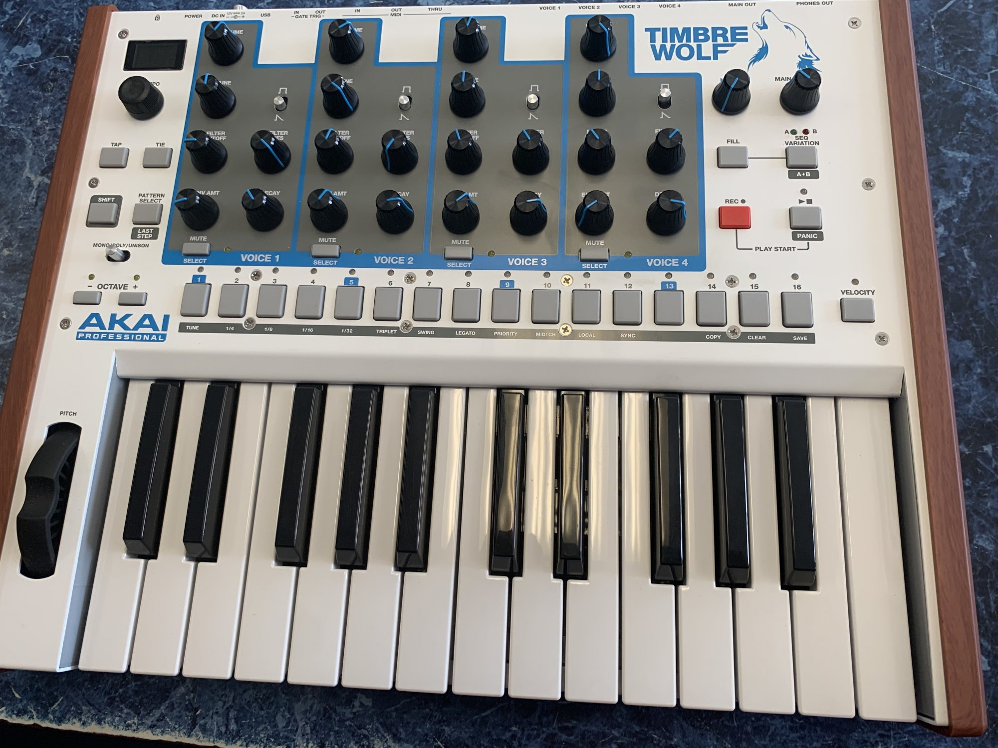 Akai Professional Timbre Wolf Synth (used)