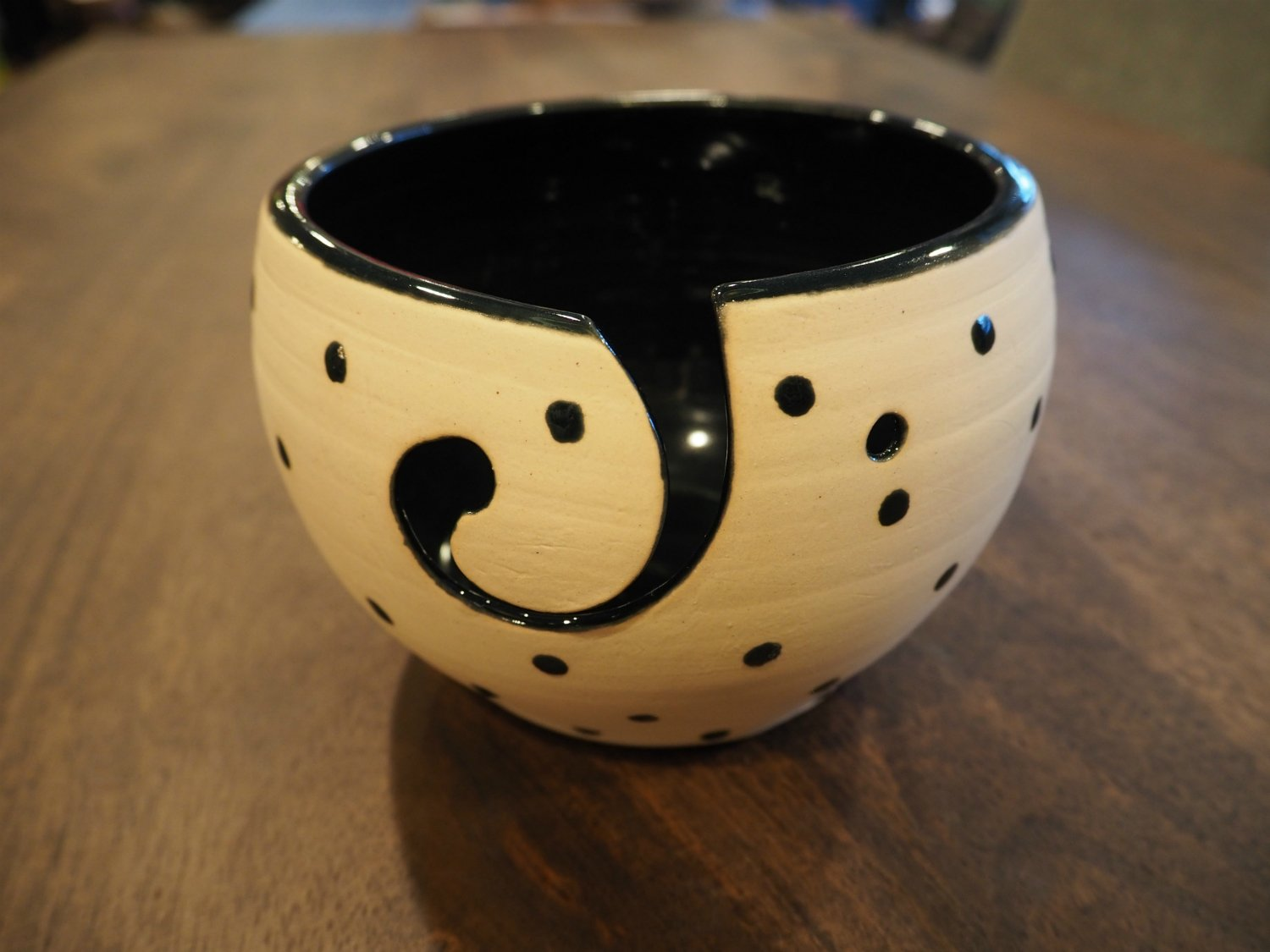 Dotted Yarn Bowl with Black Interior