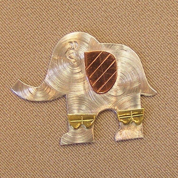 Magnetic Needle Nanny - Elephant